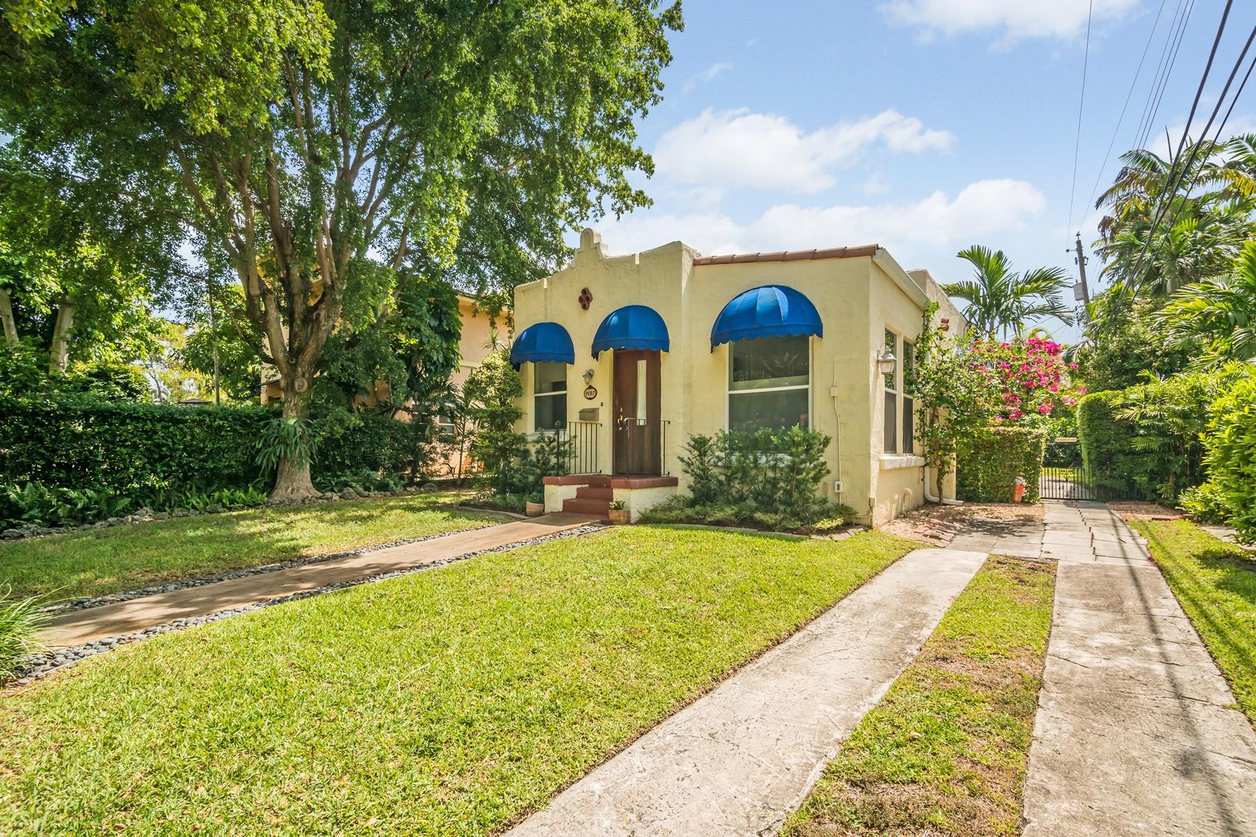 Nhà ở một gia đình vì Bán tại 1107 Pizarro St Coral Gables, Florida 33134 Hoa Kỳ