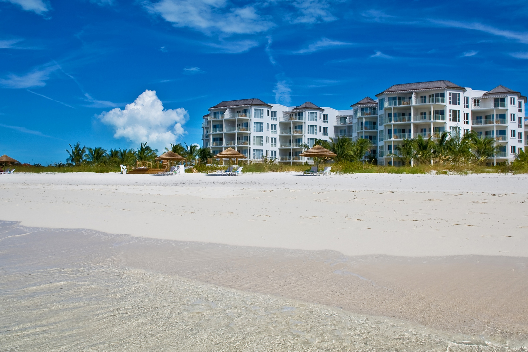 Piso por un Venta en West Bay Club - Suite 110 West Bay Club, Grace Bay, Providenciales Islas Turcas Y Caicos