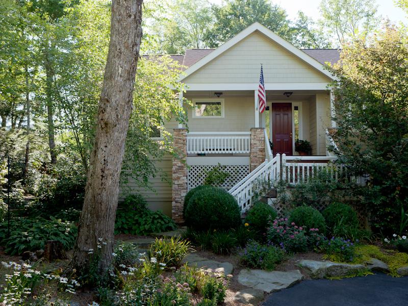 獨棟家庭住宅 為 出售 在 573 Garnet Rock Trail Highlands, 北卡羅來納州 28741 美國