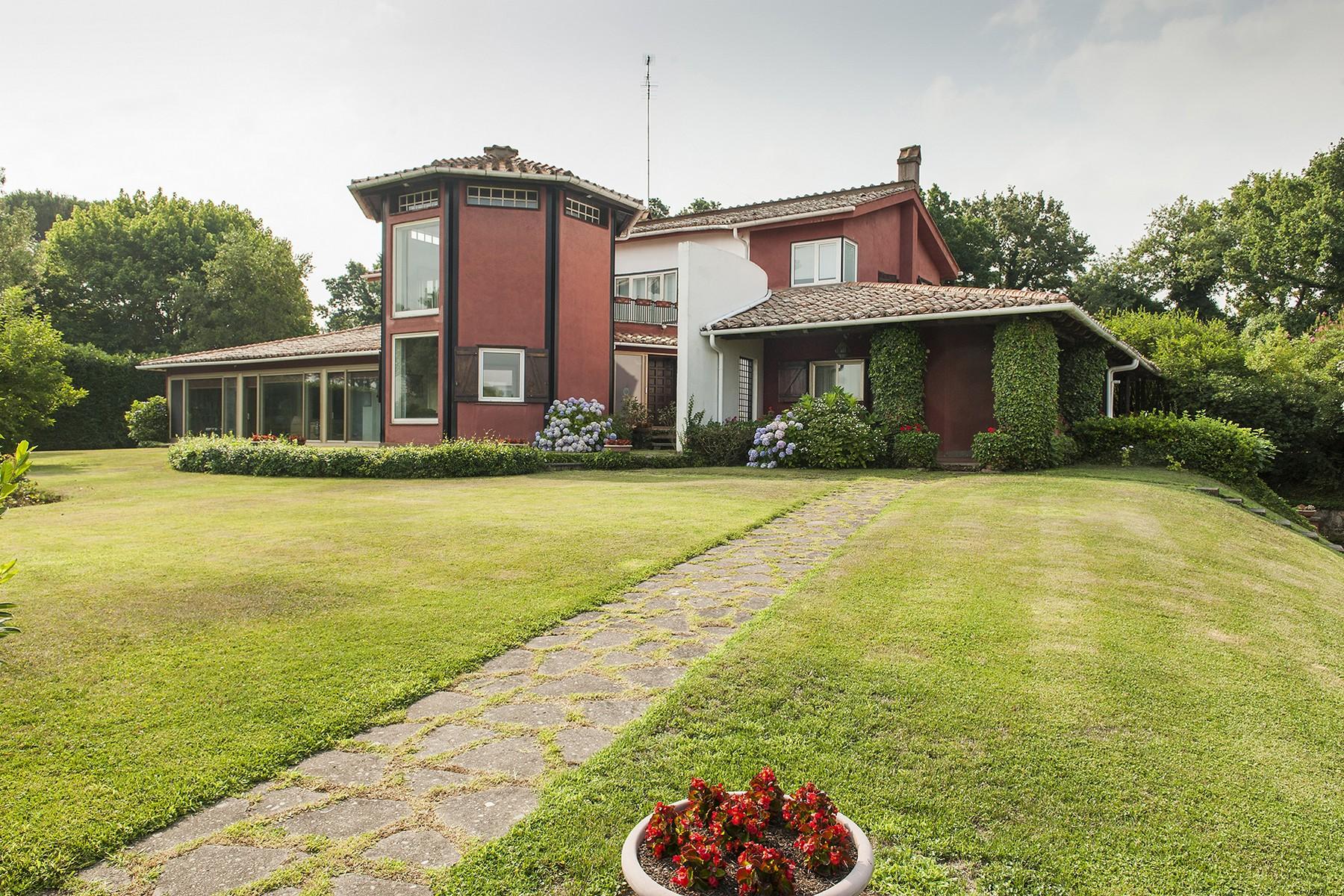 Einfamilienhaus für Verkauf beim Beautiful designed Villa at Olgiata Largo dell'Olgiata Rome, Rome 00123 Italien