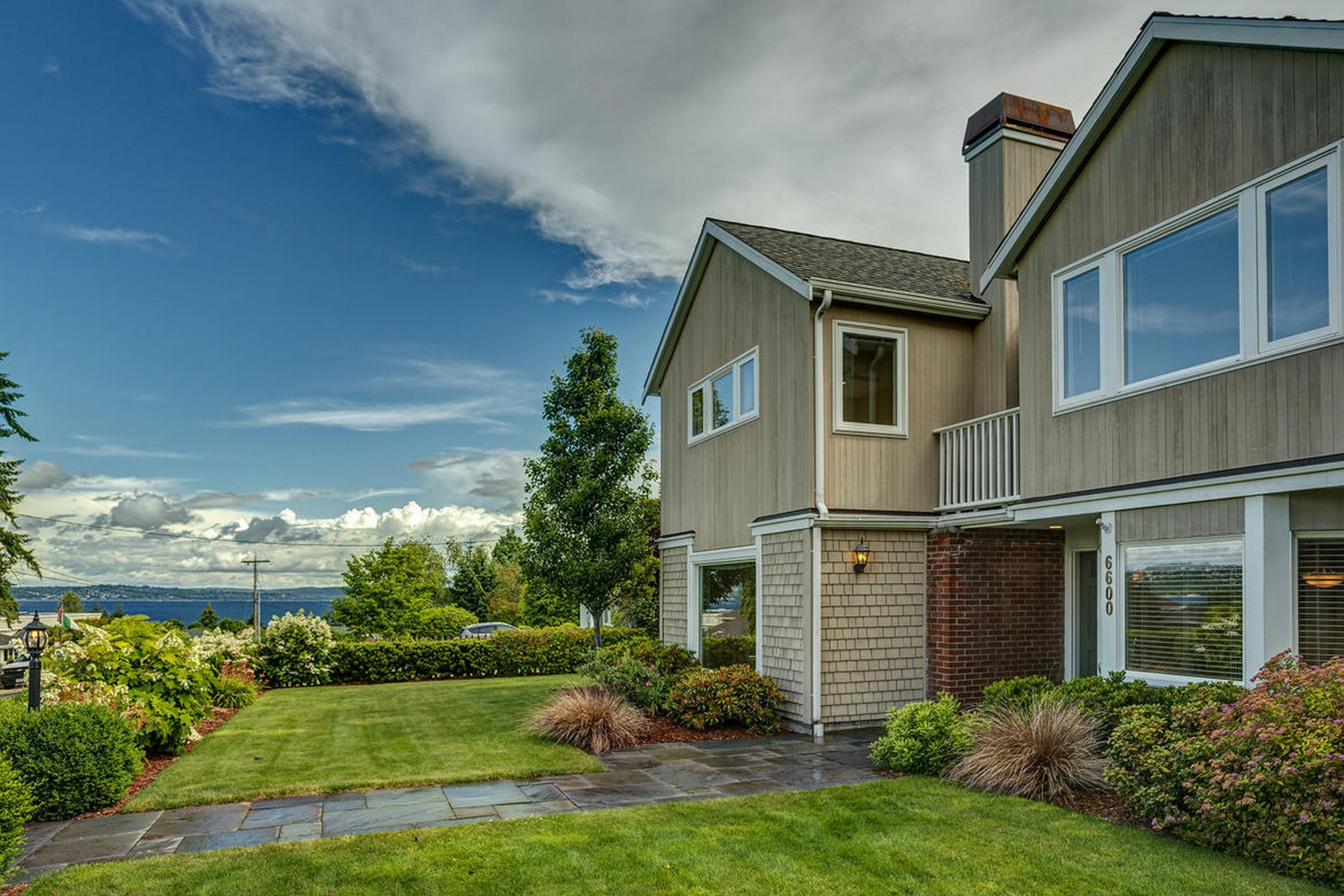 Single Family Home for Sale at Traditional First Hill Home 6600 SE 24TH ST Mercer Island, Washington, 98040 United States