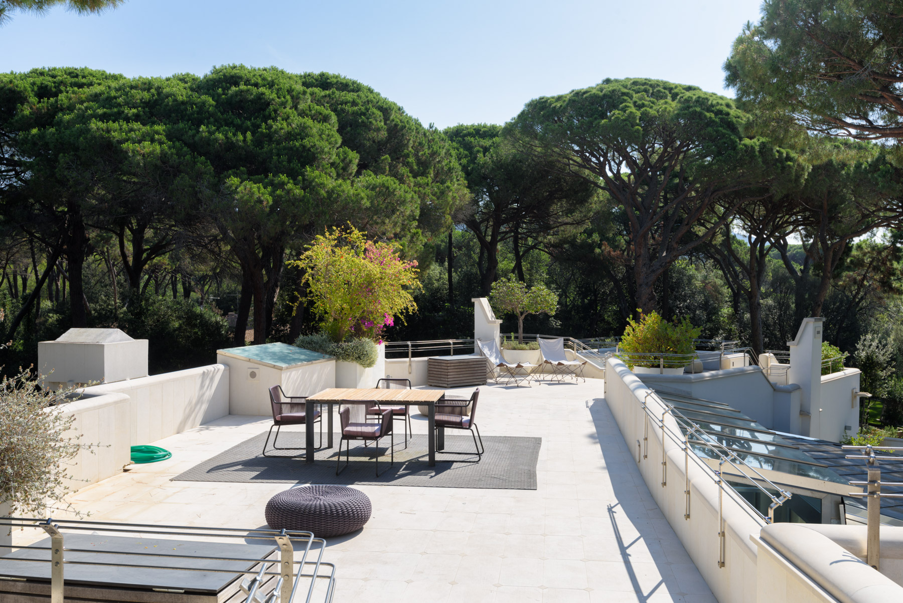 Additional photo for property listing at Lovely villa steps away from the beach Castiglione Della Pescaia, Grosseto Italy
