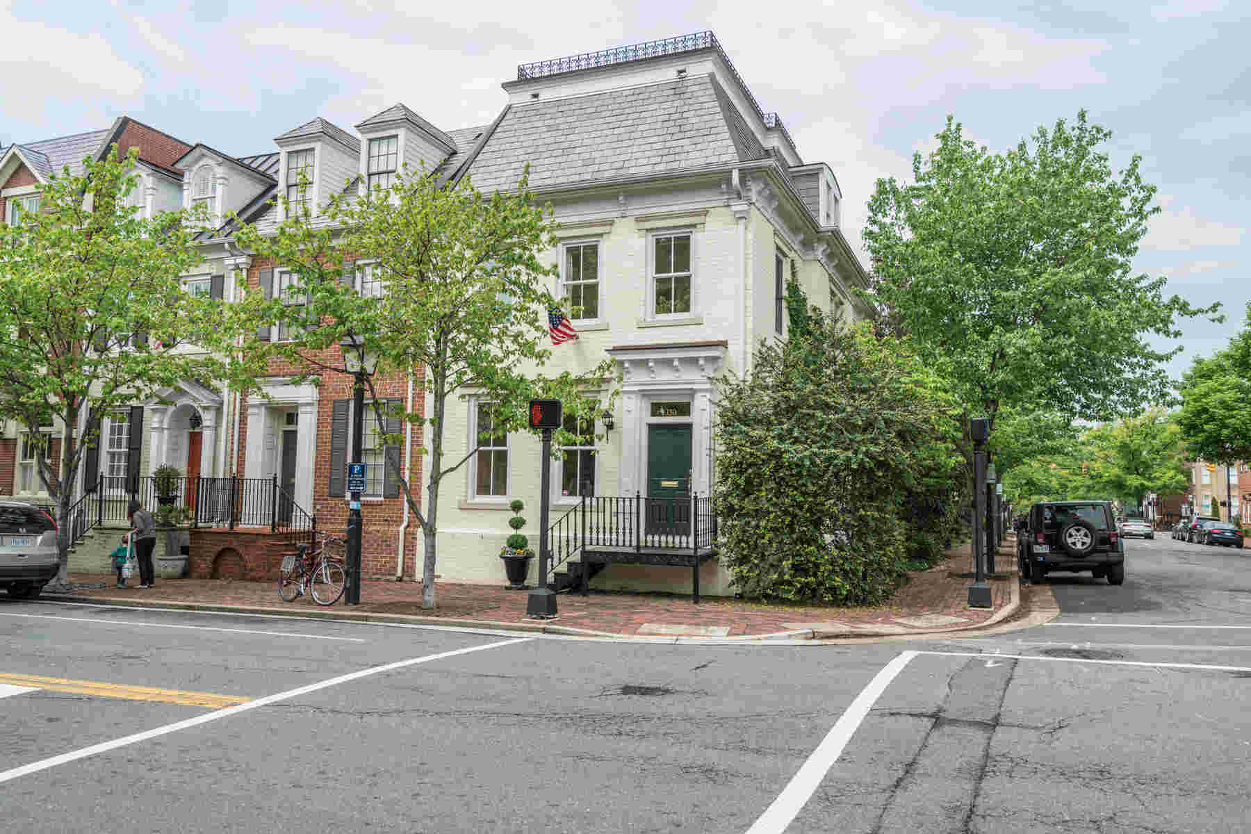 sales property at 130 Columbus Street, Alexandria
