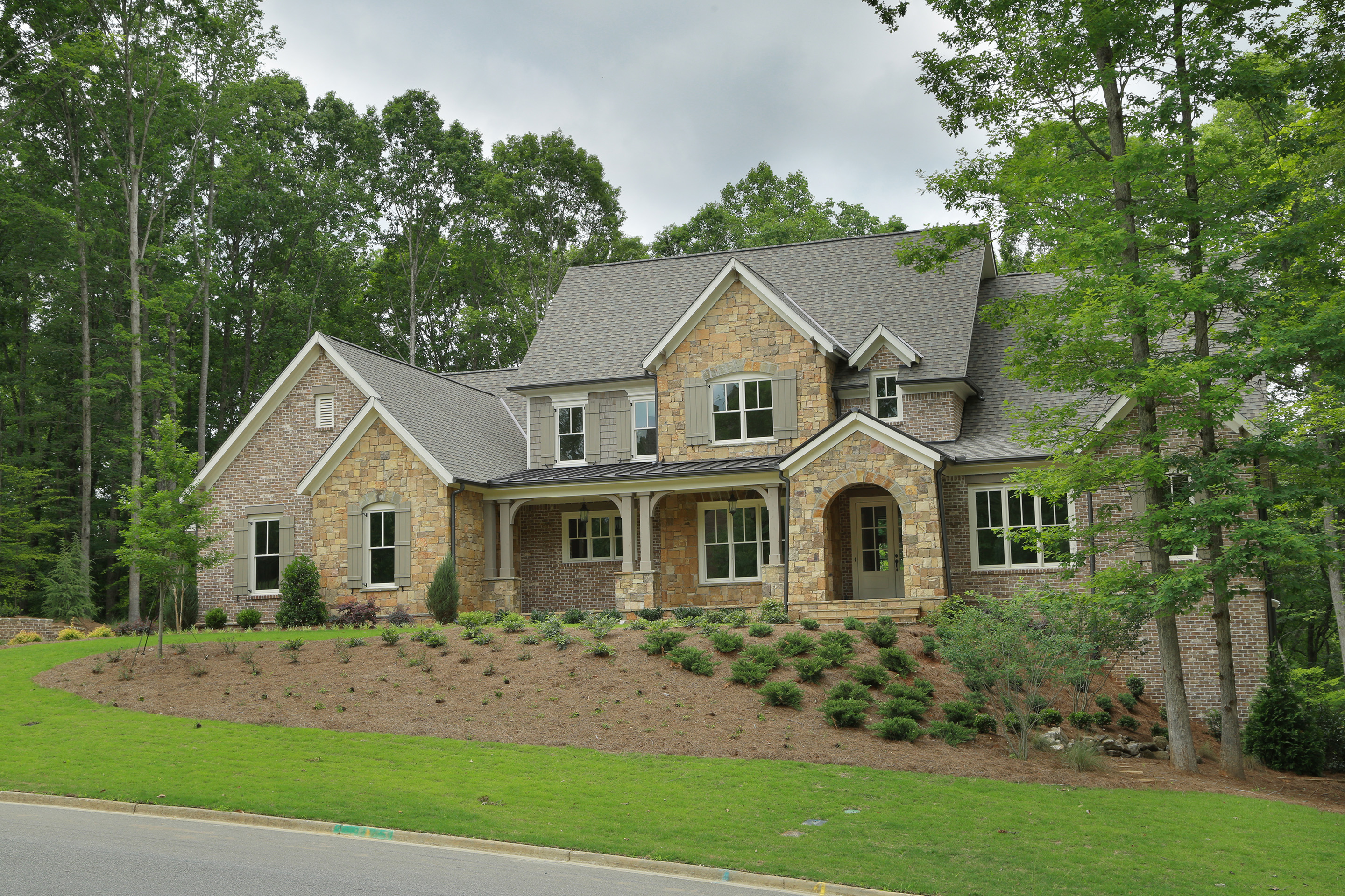 Casa Unifamiliar por un Venta en New Home at the River Club 5182 Boulder Bluff Way Suwanee, Georgia, 30024 Estados Unidos