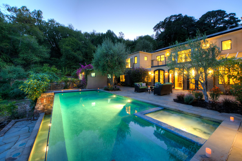 Einfamilienhaus für Verkauf beim Stunning Gated Italian Villa on Private Area 56 Miwok Dr San Anselmo, Kalifornien 94960 Vereinigte Staaten