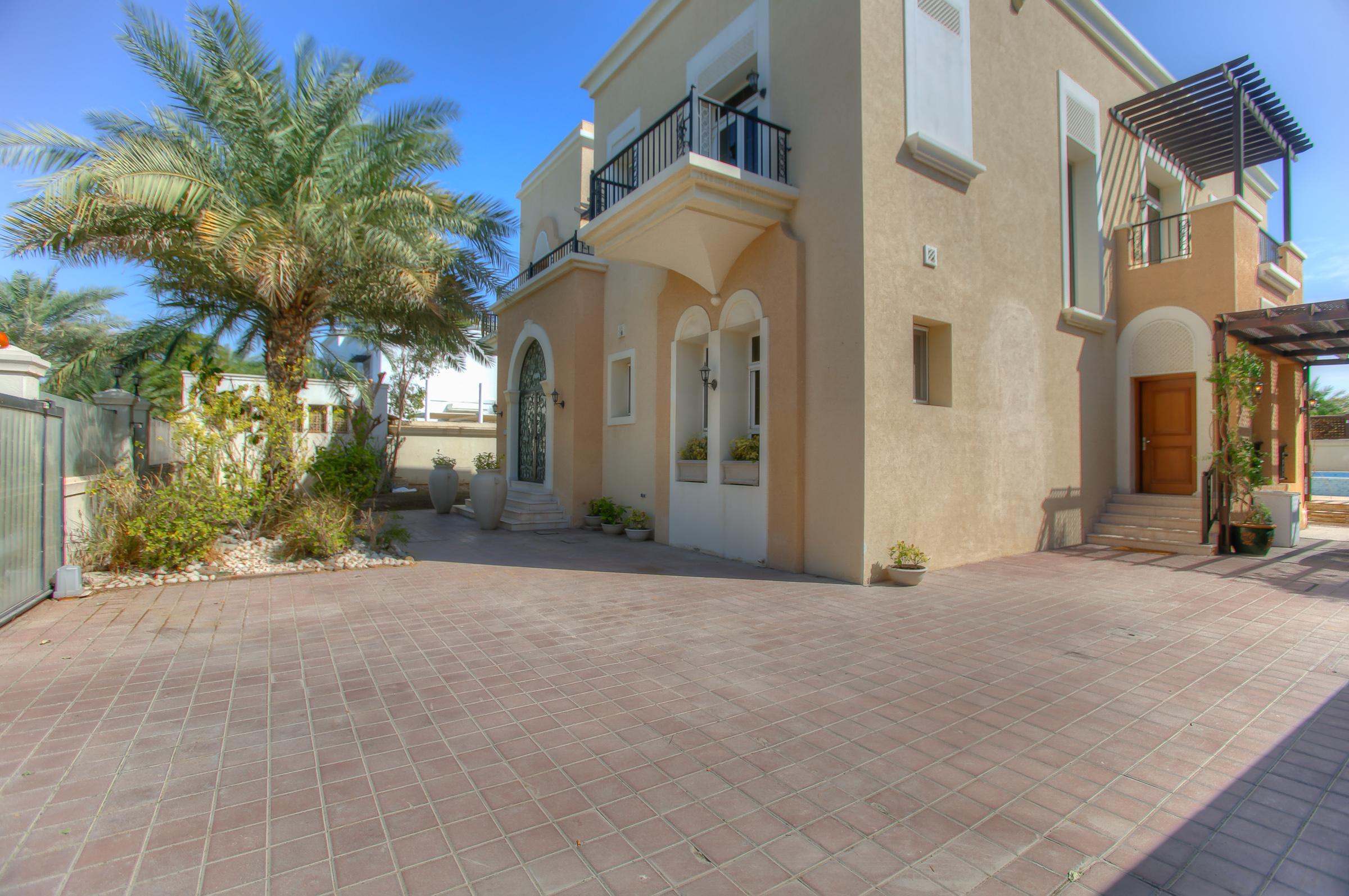 Многосемейный дом для того Продажа на Arabtech Built Emirates Hills Villa Emirates Hills, Dubai, Объединенные Арабские Эмираты
