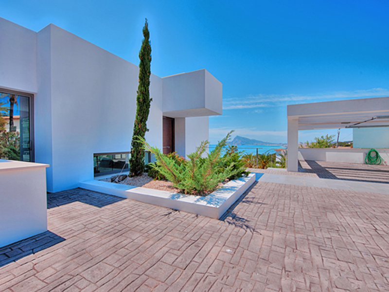 Single Family Home for Sale at Villa in modern Style and very good Views over the Beach of Altea and the Town Altea, Alicante Costa Blanca 03590 Spain