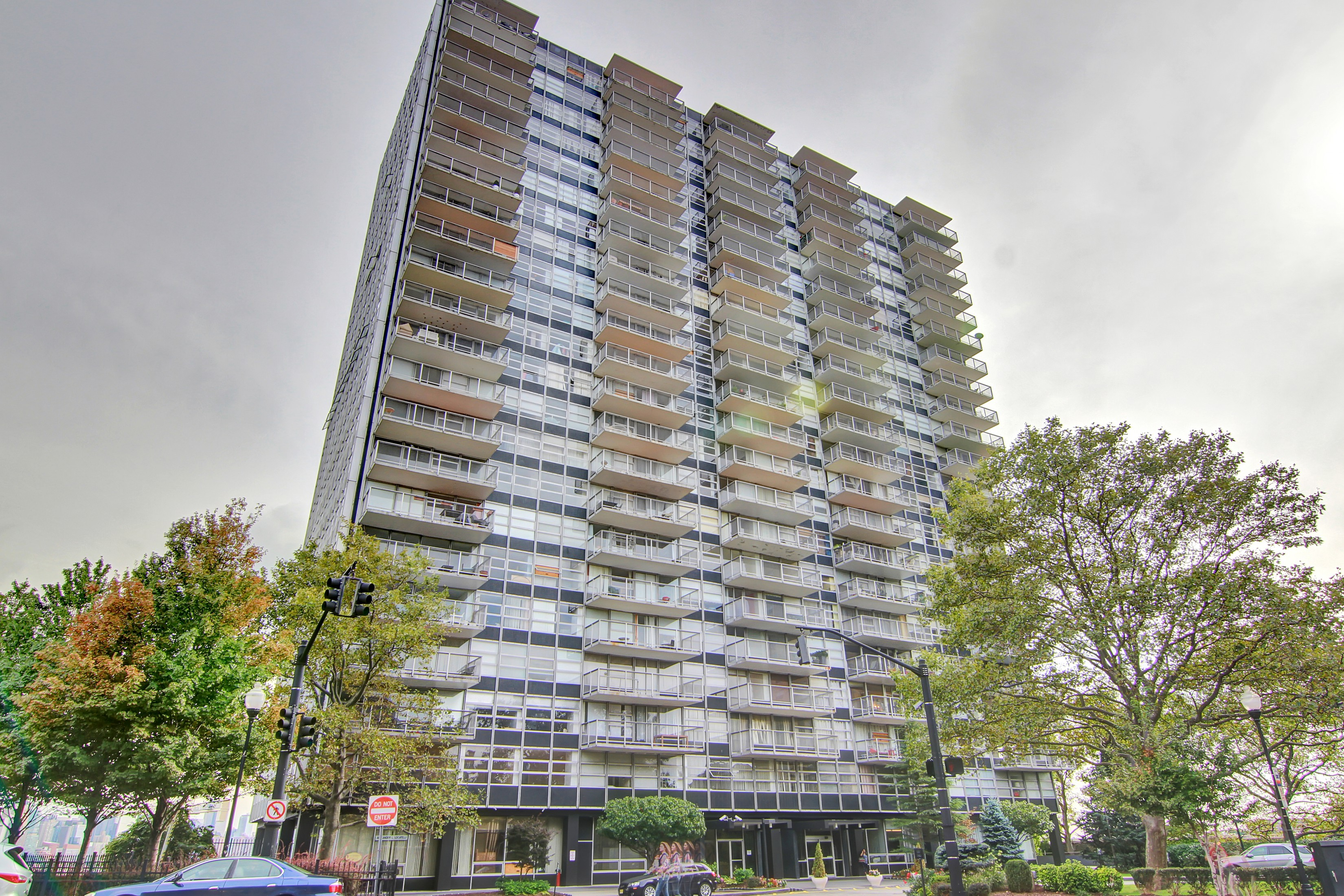 Condominium for Sale at Tower West 6050 Blvd East 3G West New York, New Jersey 07093 United States