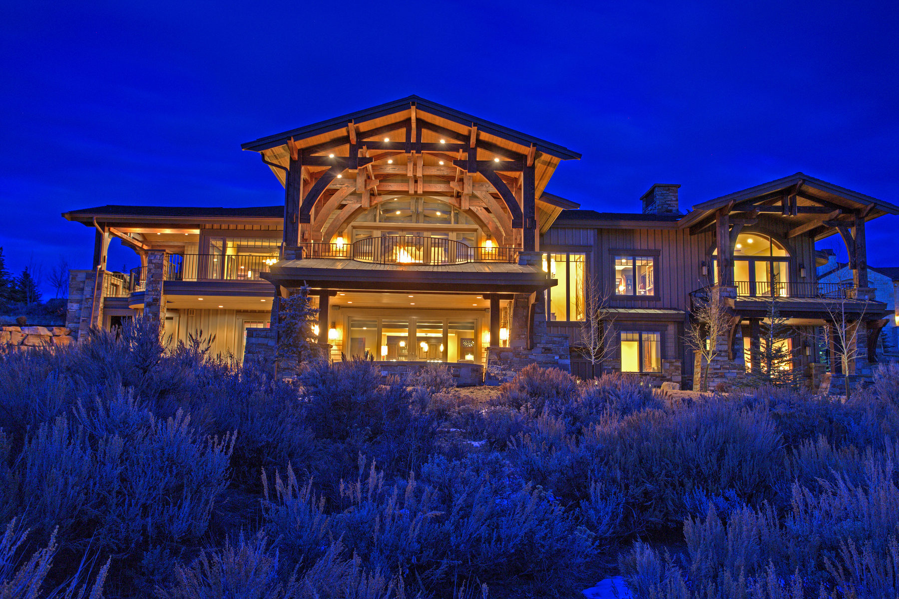 Casa para uma família para Venda às Spectacular Home in Promontory That Was Featured In The 2013 Park City Parade of 2817 Blue Sage Trl Park City, Utah, 84098 Estados Unidos