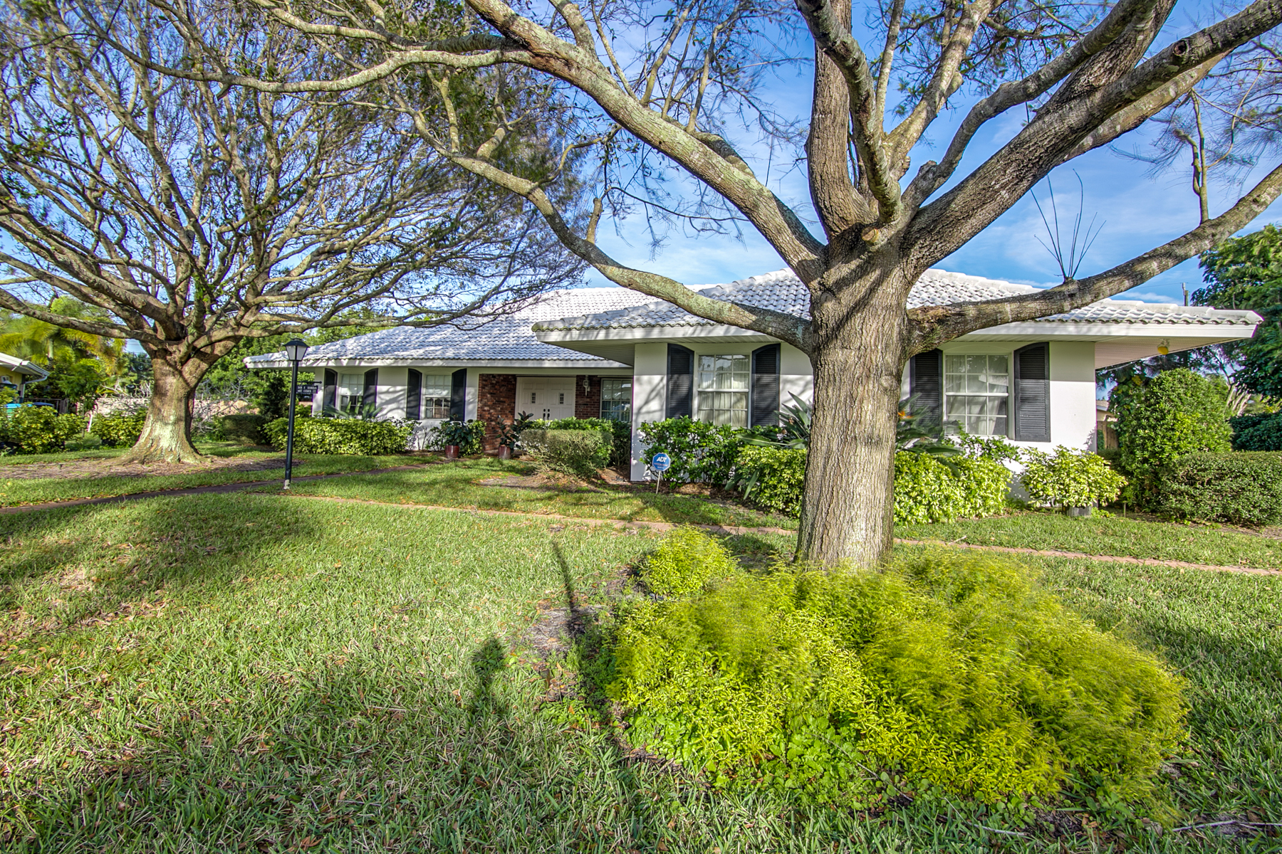 Single Family Home for Sale at Great Family Home on Large Homesite 607 Citrus Court Melbourne Beach, Florida, 32951 United States