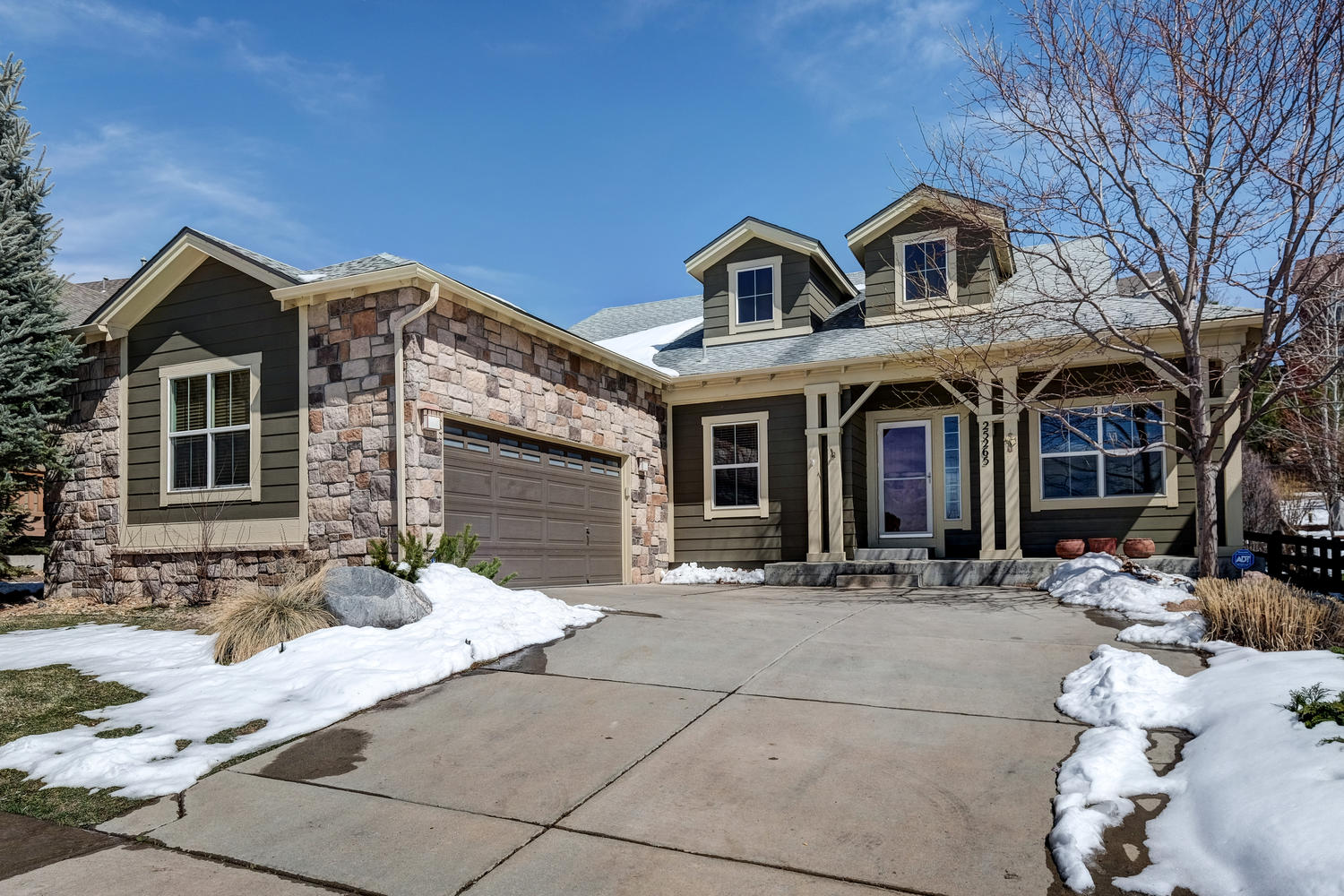 Single Family Home for Sale at Delightful Home Boasts Main Floor Living in Tallyns Reach 25265 E Park Crescent Dr Aurora, Colorado, 80016 United States