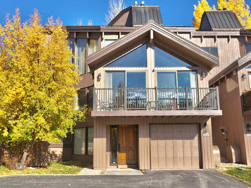 Fractional Ownership for Sale at Champagne lifestyle on a beer budget! 1321 Pinnacle Ct # B Park City, Utah 84060 United States
