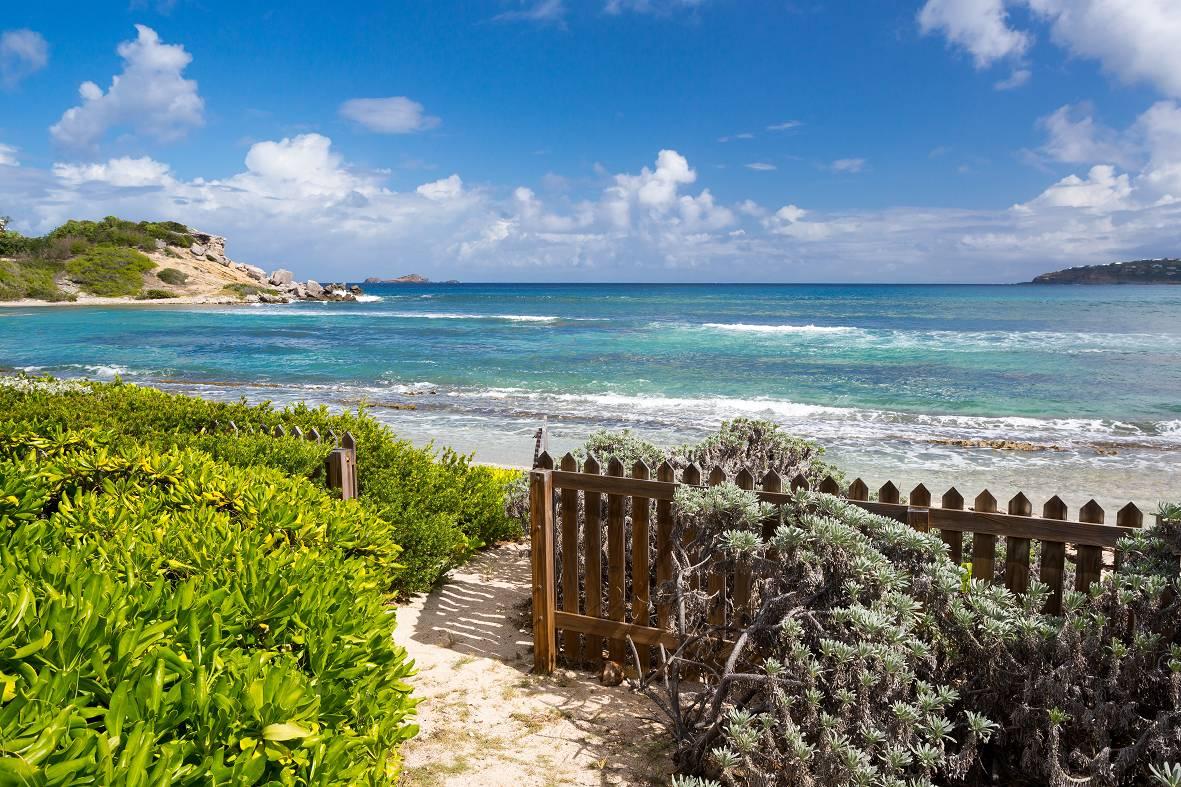 Casa Unifamiliar por un Venta en Villa Sea Sand & Sun Anse des Cayes Anse Des Cayes, 97133 St. Barthelemy