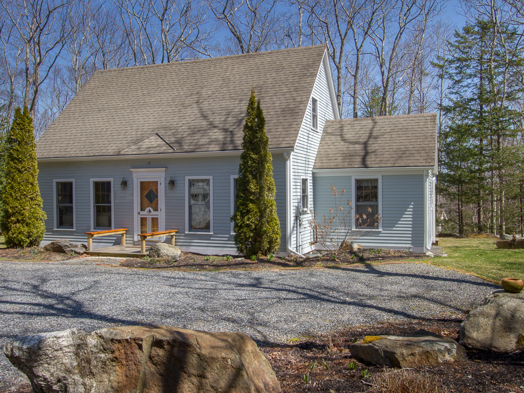 Single Family Home for Sale at Muirgen Association 17 Thistle Lane Boothbay, Maine 04537 United States