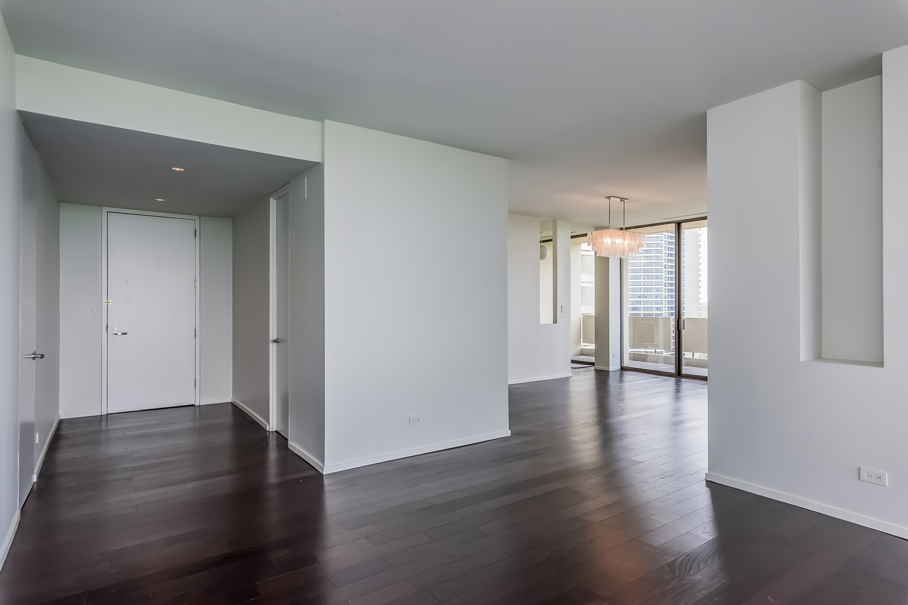 Additional photo for property listing at Buckhead Condo With Amazing Views 2575 Peachtree Road NE Unit 22H Atlanta, Georgië 30305 Verenigde Staten