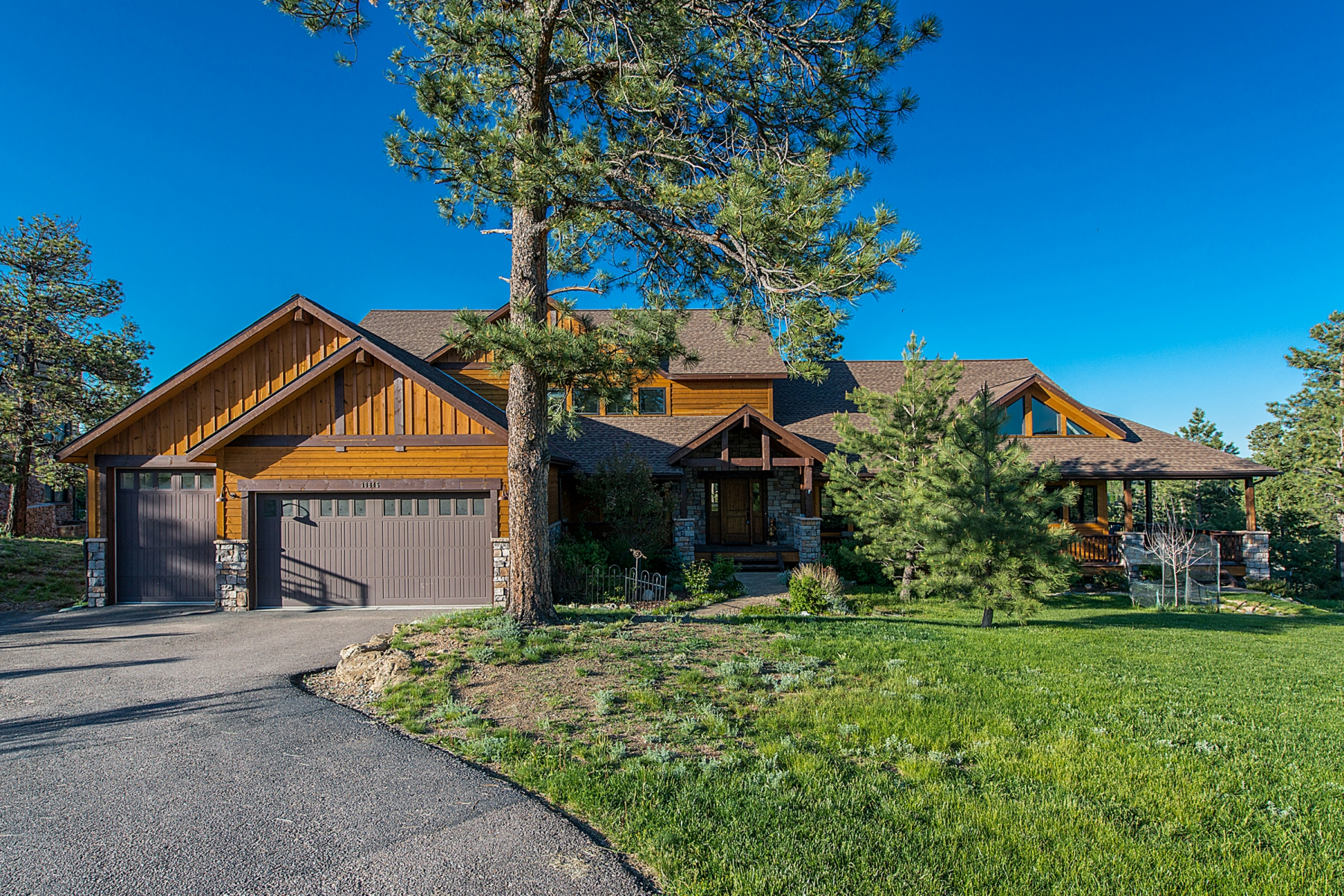 Single Family Home for Sale at Majestic Living Masterpiece 30845 Tanoa Road Evergreen, Colorado 80439 United States