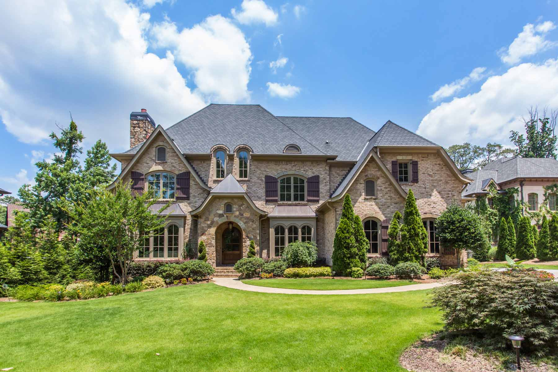 Single Family Home for Sale at An Exquisite Estate in Windsor Oaks 1688 Windsor Parkway Atlanta, Georgia, 30319 United States
