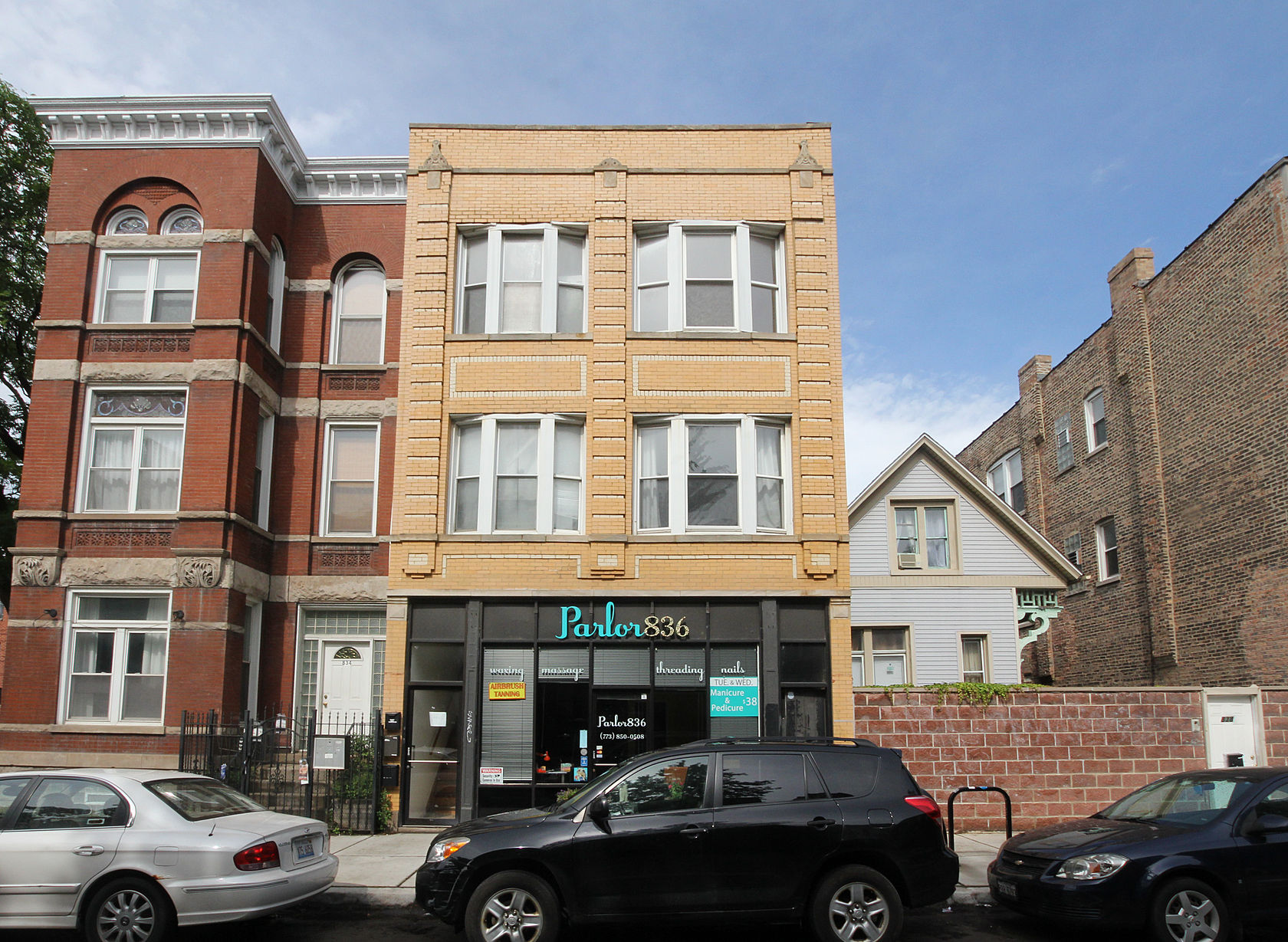 Property For Sale at Great Top Floor Unit With Excellent Potential