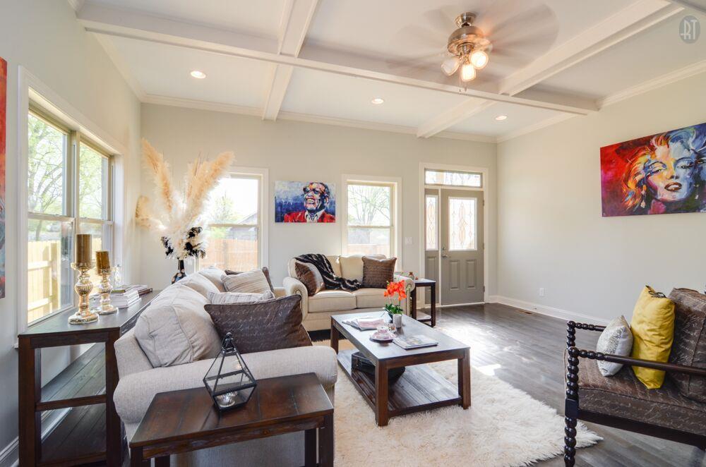 獨棟家庭住宅 為 出售 在 New Build Convenient to Downtown 2016 B 14th Ave N Nashville, 田納西州, 37208 美國