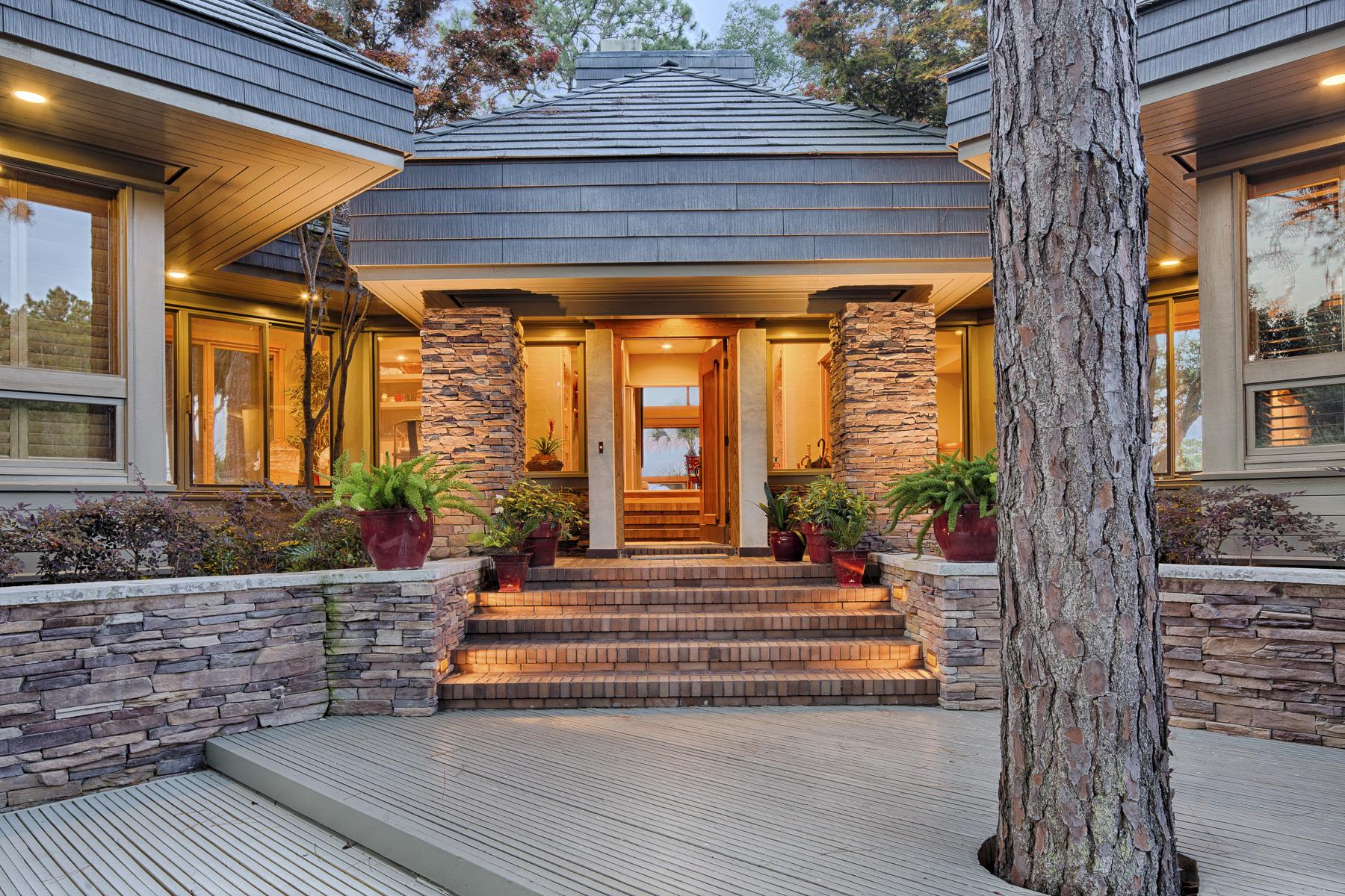 Einfamilienhaus für Verkauf beim 7 Oak Point Landing Road Hilton Head Island, South Carolina 29928 Vereinigte Staaten