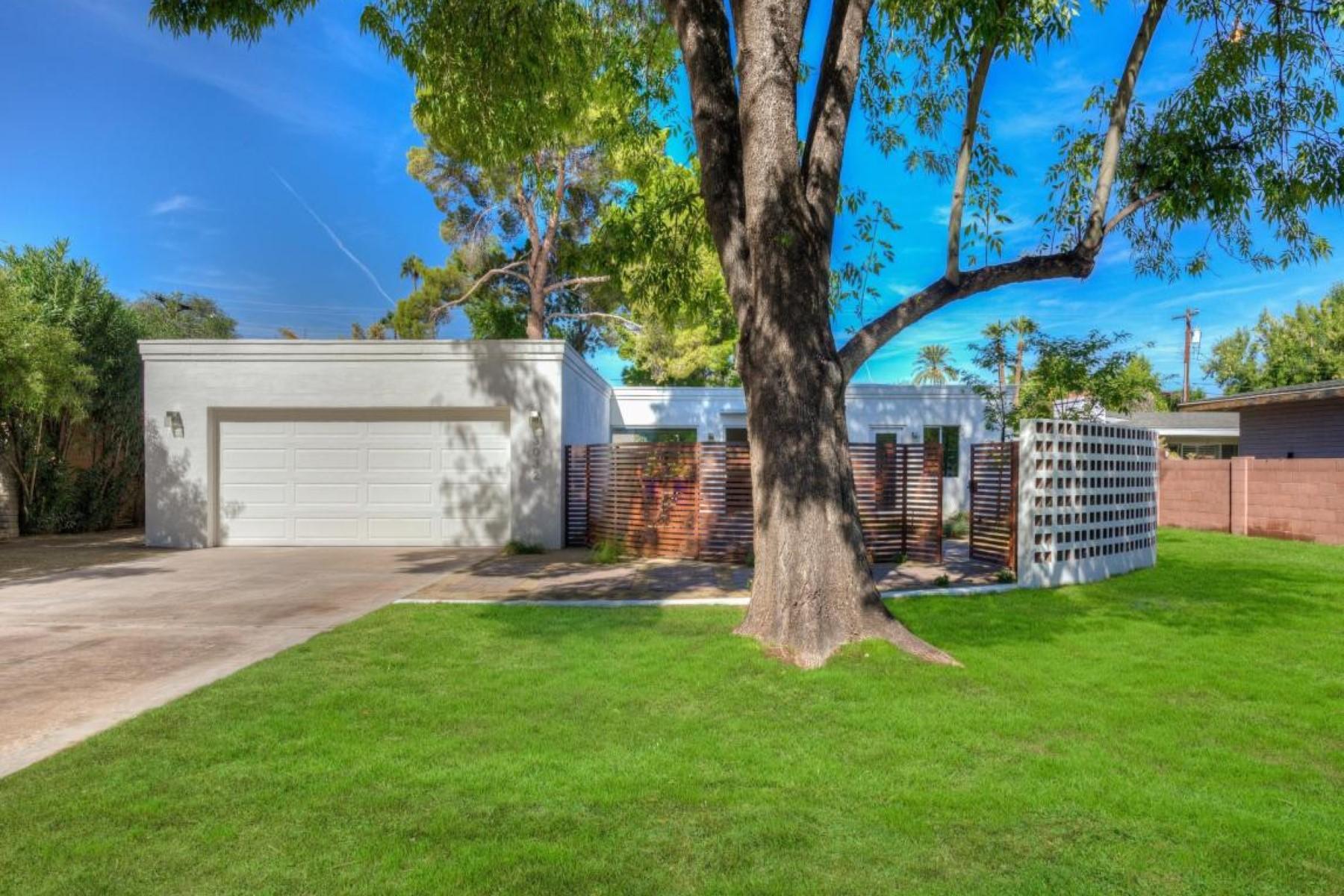 Vivienda unifamiliar por un Venta en Brand new custom contemporary home near the Arizona Country Club 3032 N Marigold Dr Phoenix, Arizona, 85018 Estados Unidos