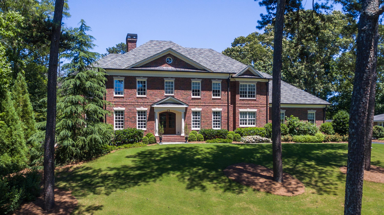 단독 가정 주택 용 매매 에 Beautifully Appointed Home In Buckhead 2761 Ridgewood Road Paces, Atlanta, 조지아, 30327 미국