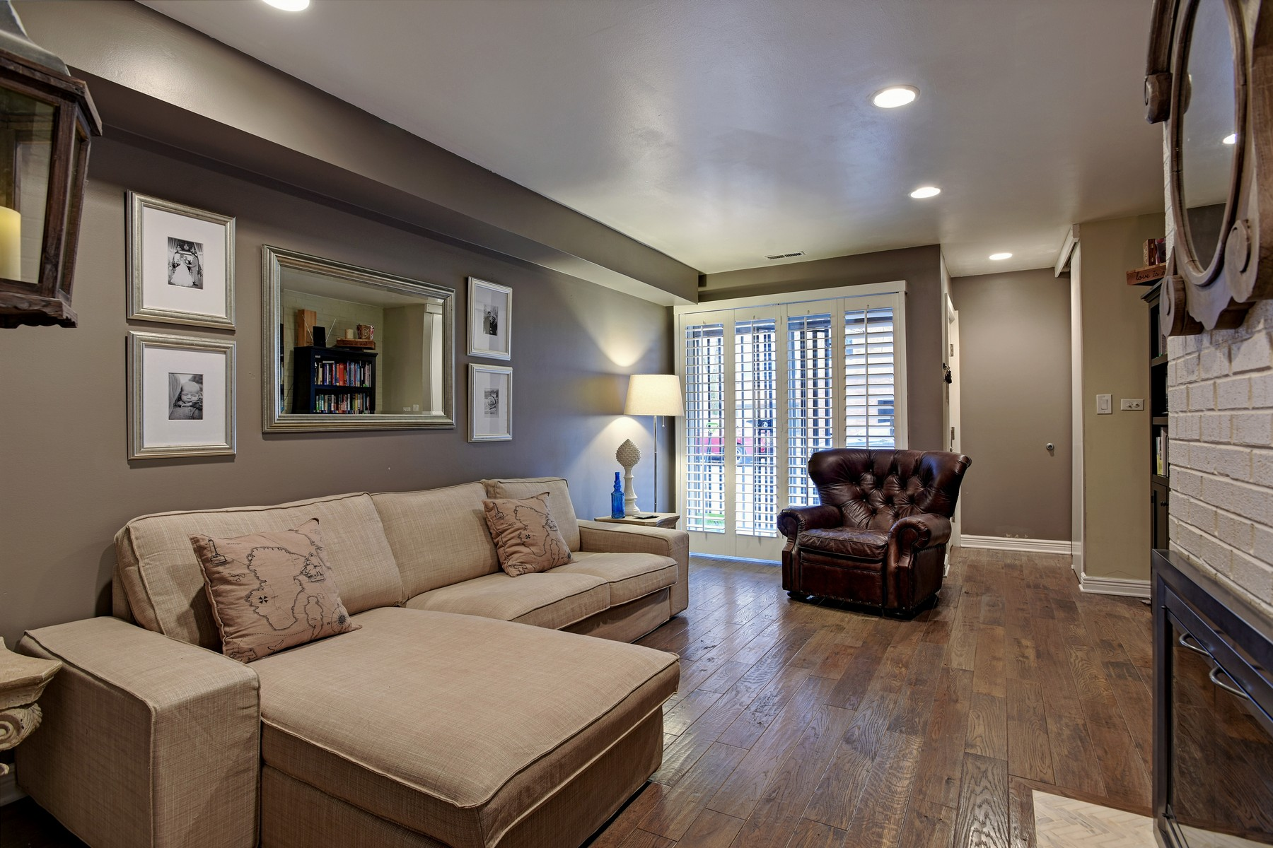 联栋屋 为 销售 在 Lincoln Park Townhouse 538 W Eurgenie Street Lincoln Park, 芝加哥, 伊利诺斯州 60614 美国
