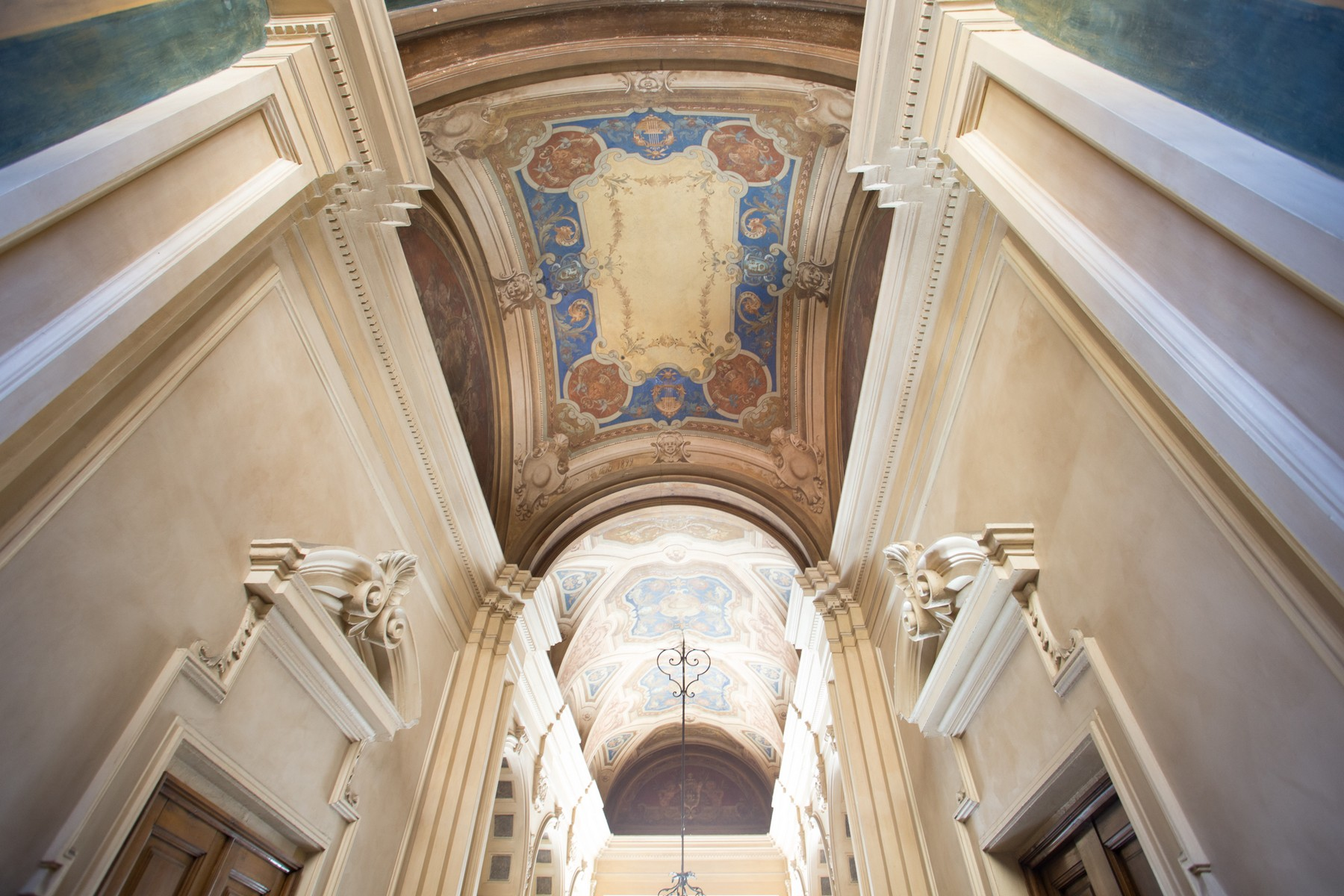 Additional photo for property listing at Lavish apartment in the historical centre Via Pietro Micca Turin, Turin 10122 Italie