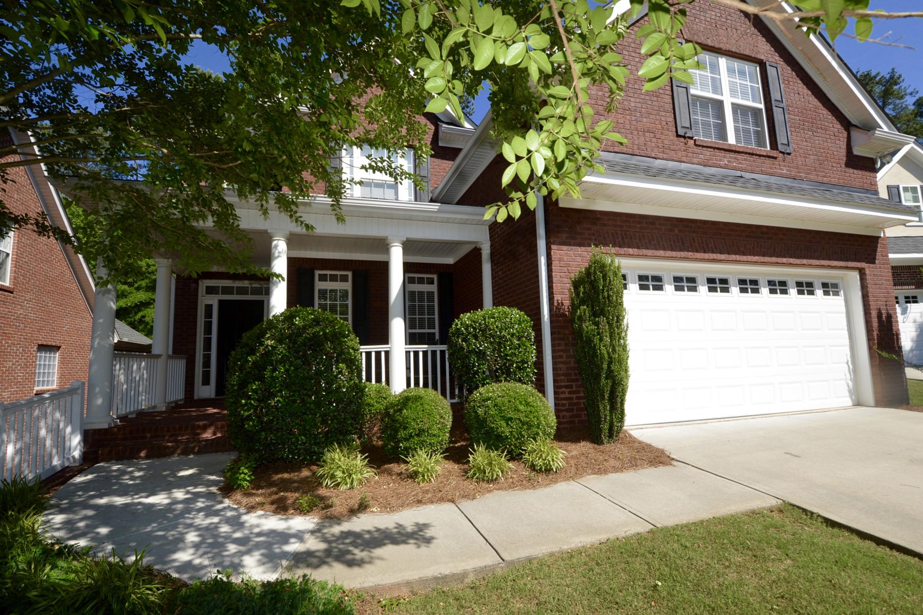 独户住宅 为 销售 在 Beautiful Home In Coveted Ashton Park With Landscape Maintenance Provided By HOA 210 Ashton Park Peachtree City, 乔治亚州, 30269 美国
