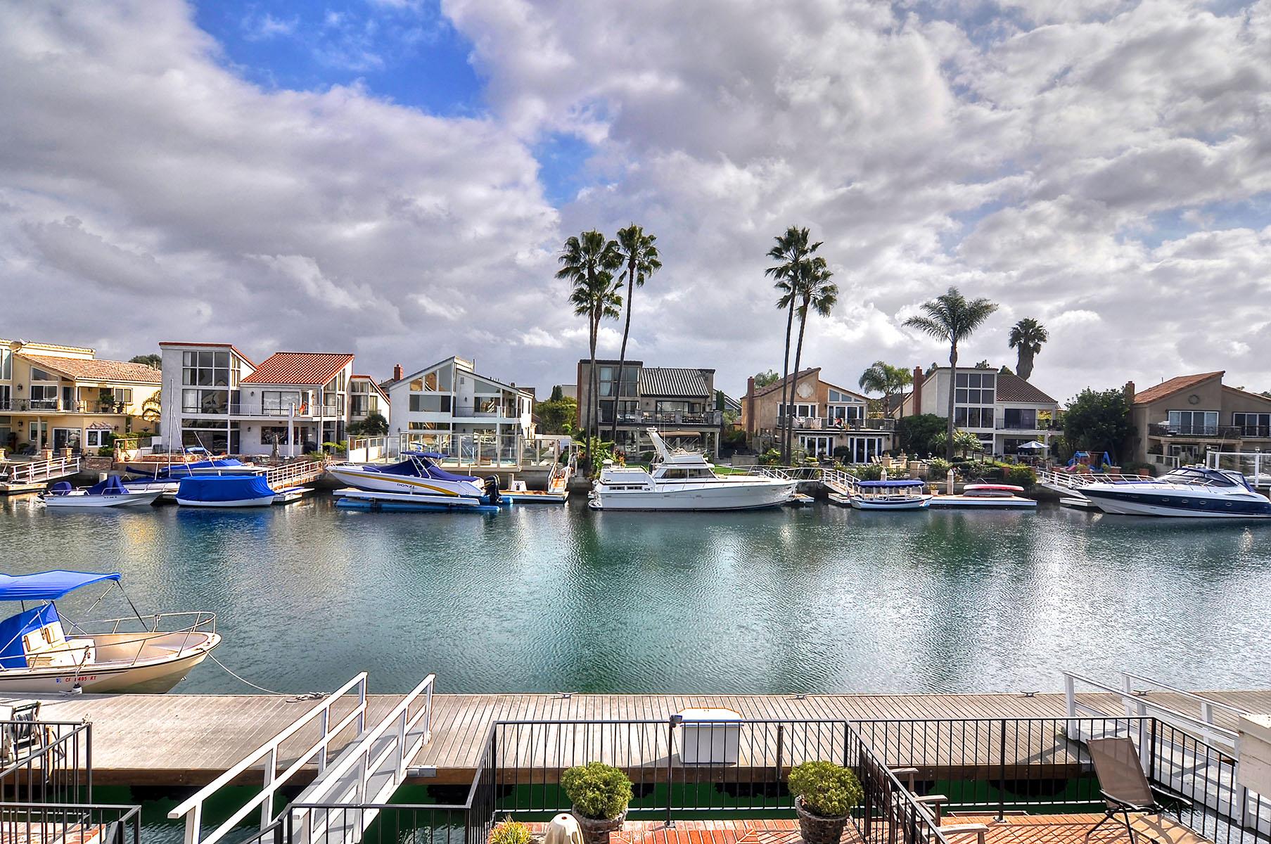 独户住宅 为 销售 在 16086 Bonaire 杭廷顿海滩, 加利福尼亚州, 92649 美国