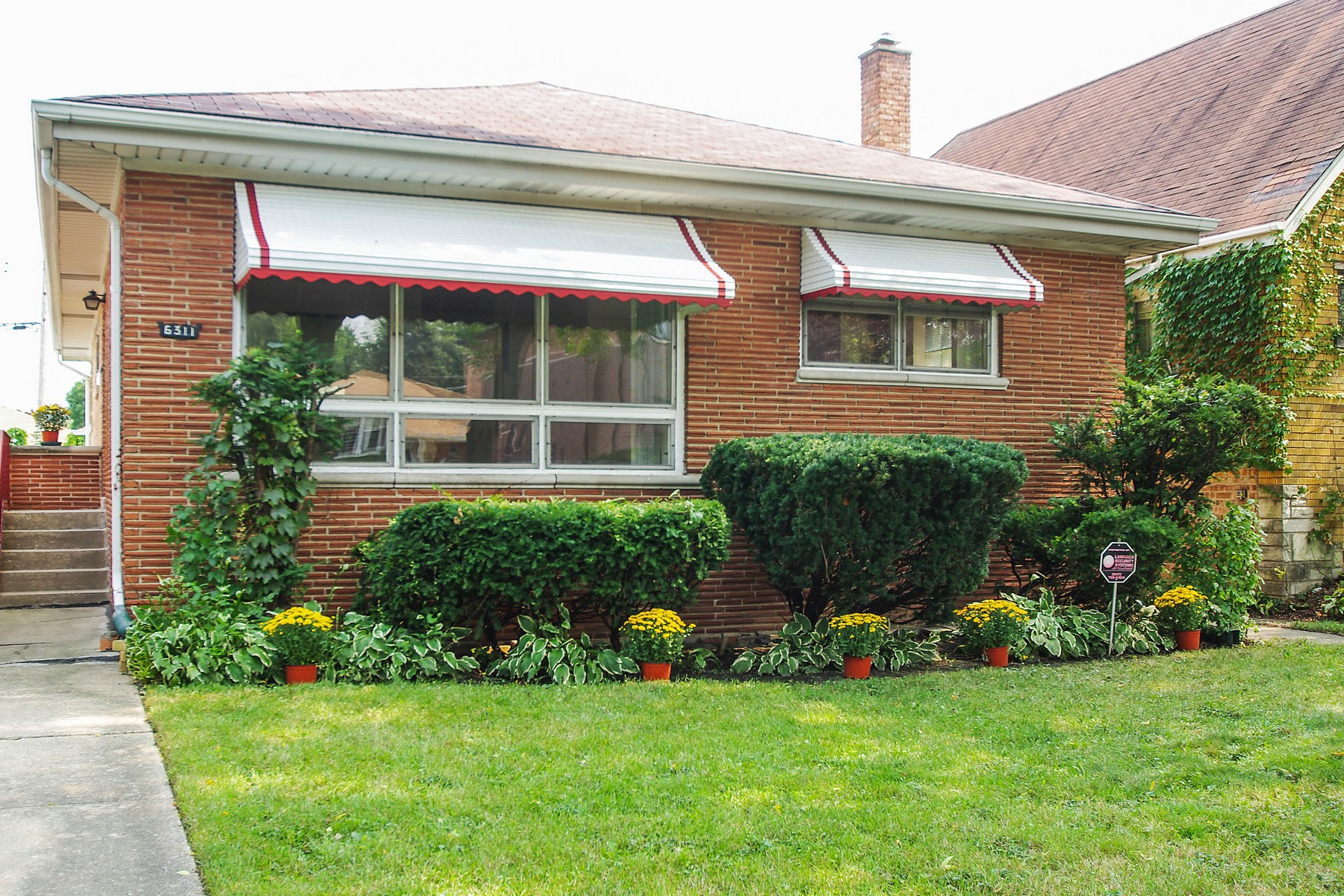 Property For Sale at Beautifully Maintained Home In Sauganash Park