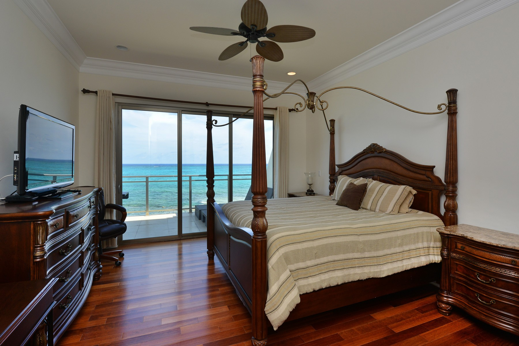 Additional photo for property listing at Columbus Cove Corner Unit Columbus Cove, Love Beach, Nassau And Paradise Island Bahamas