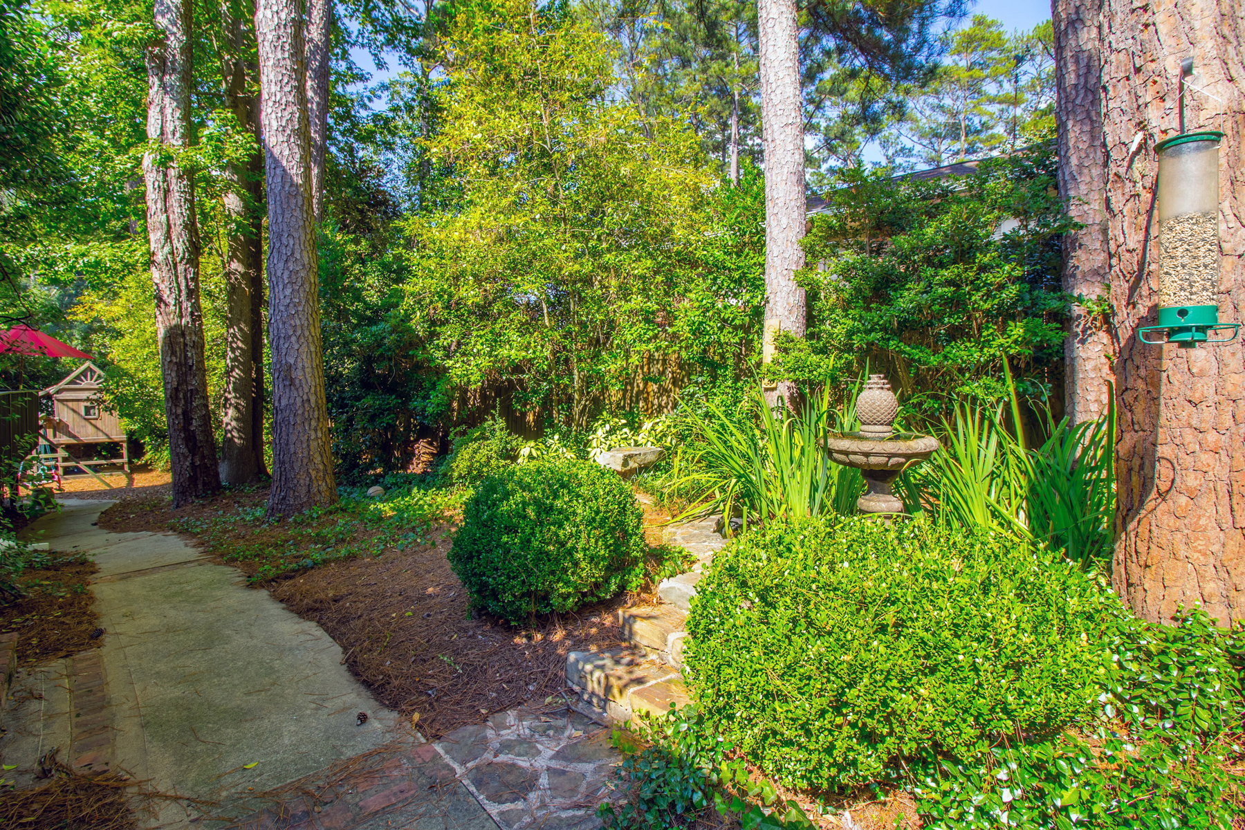 Additional photo for property listing at Large Open Concept Home In One Of Buckhead's Best Neighborhoods 3115 E Wood Valley Road NW Atlanta, 조지아 30327 미국