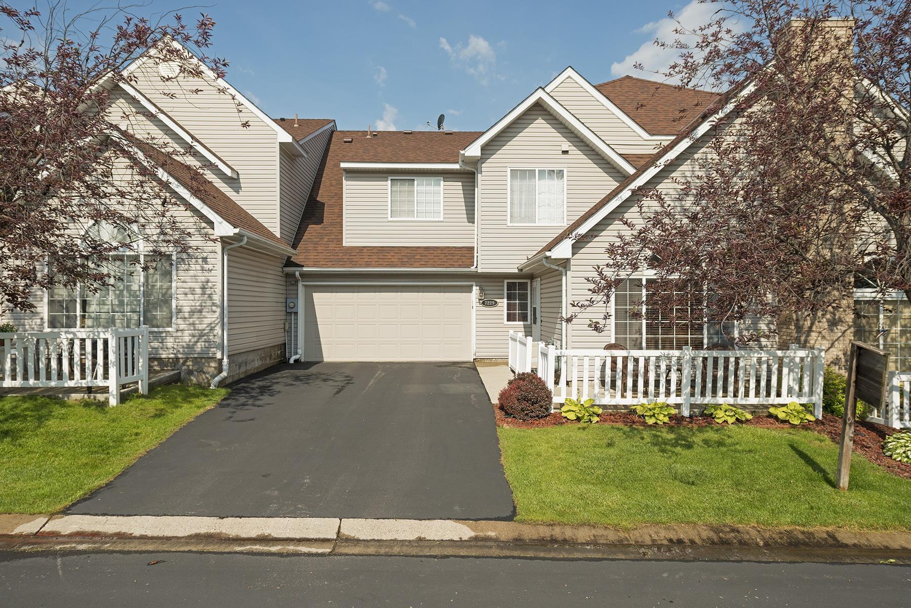 Moradia para Venda às 7229 Brittany Lane #15 Inver Grove Heights, Minnesota, 55076 Estados Unidos