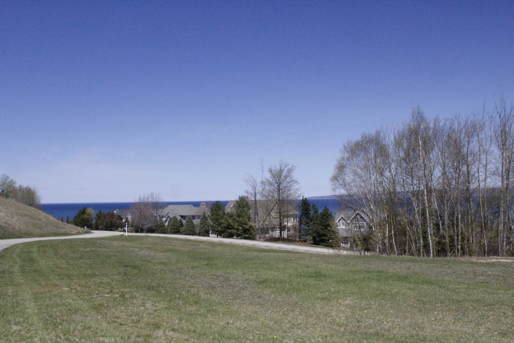 Terreno para Venda às Expansive Water View Building Site 5094 Coastal Ridge Court Bay Harbor, Michigan, 49770 Estados Unidos