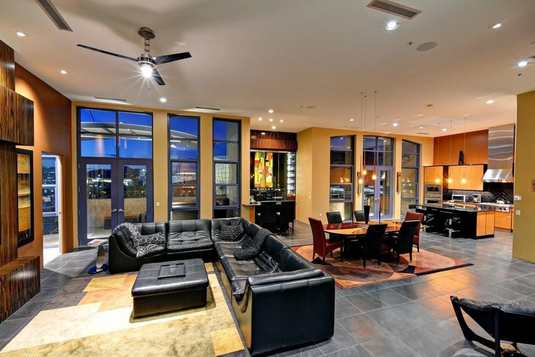 Property For Sale at Spectacular views from this exceptional 3,093 sqft. furnished penthouse condomin