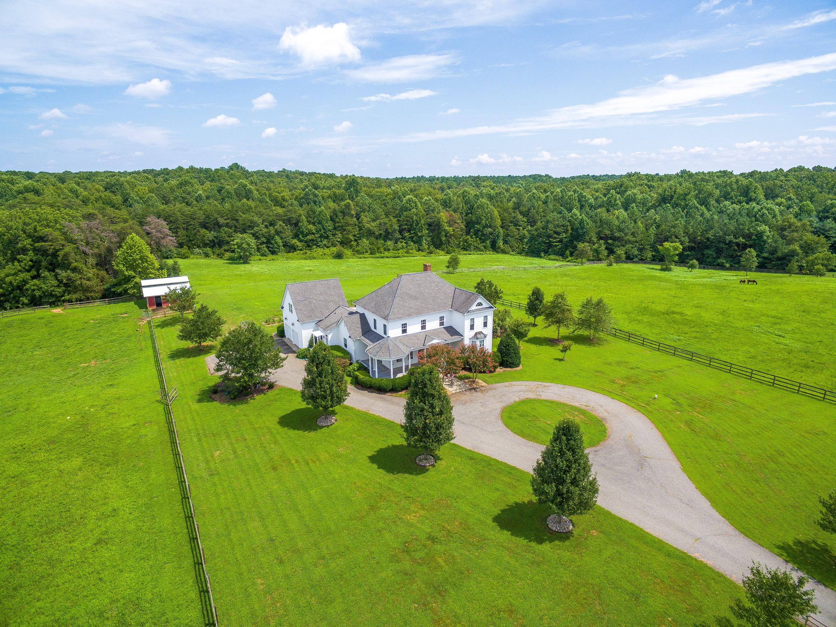 Vivienda unifamiliar por un Venta en 18510 Dixie Belle Lane Montpelier, Virginia, 23192 Estados Unidos