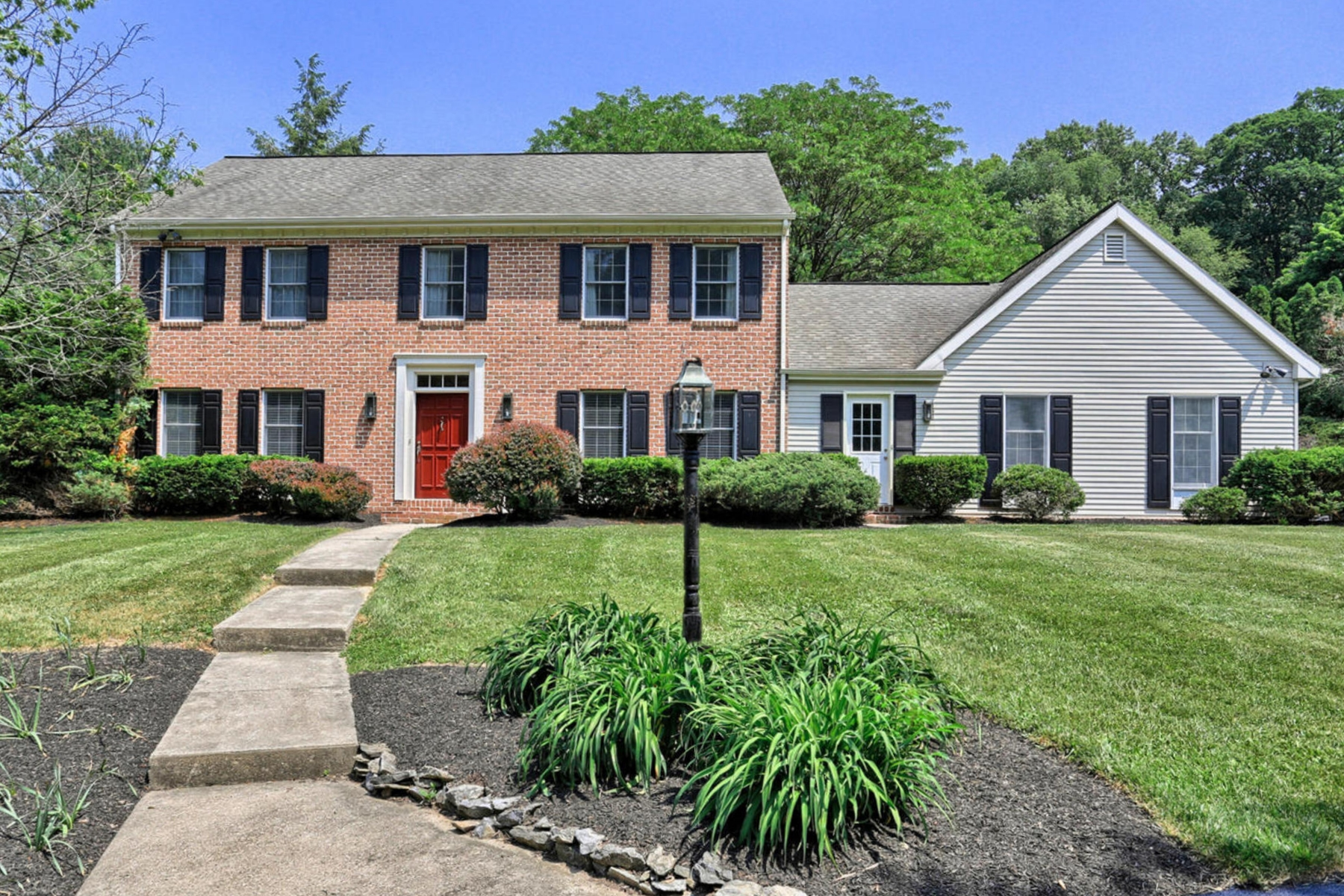 Single Family Home for Sale at 2355 Fruitville Pike Lancaster, 17601 United States