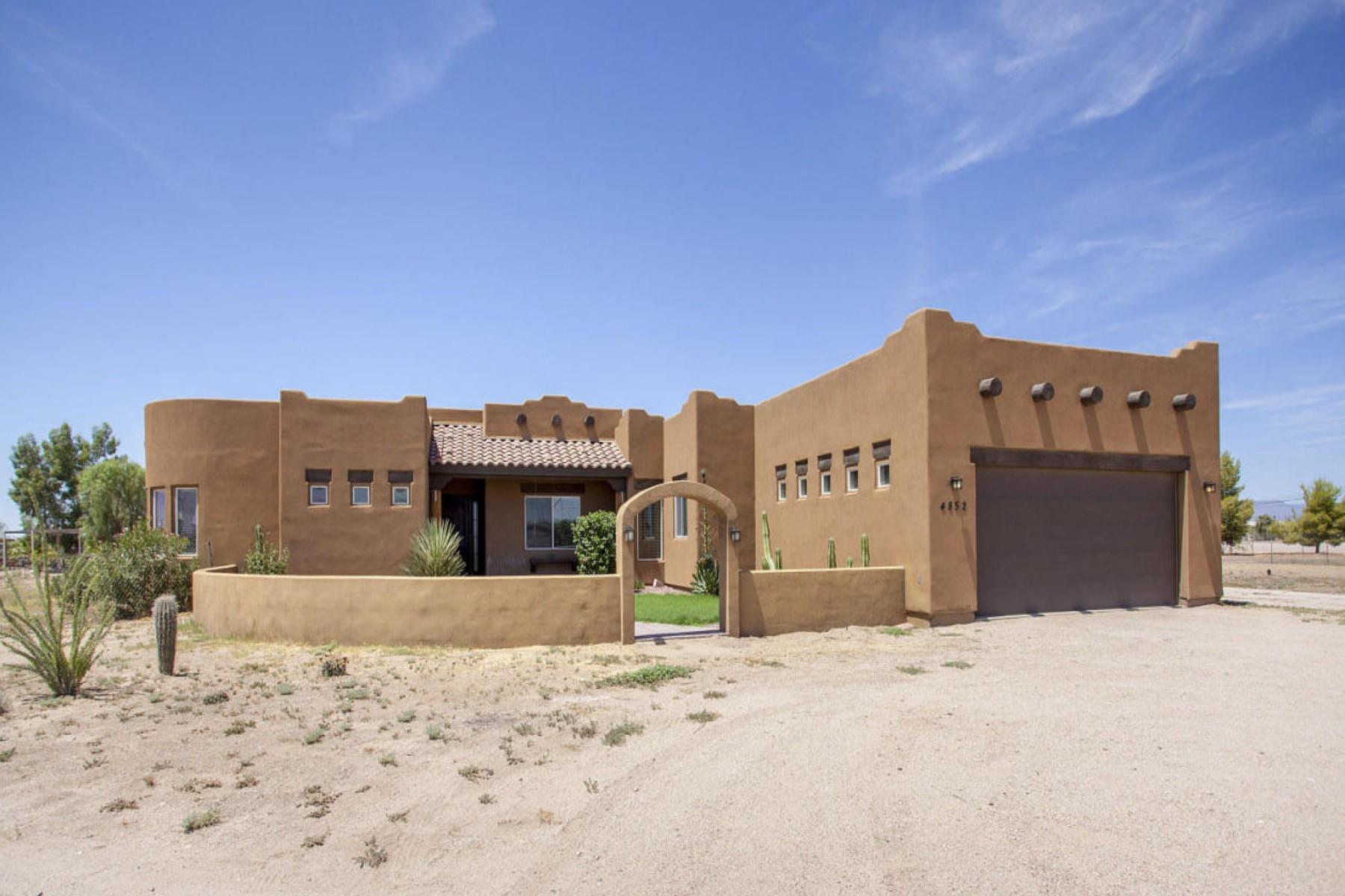 Casa para uma família para Venda às Wonderful custom home on over 1.5 acre lot. 4852 E ASCOT DR San Tan Valley, Arizona 85140 Estados Unidos