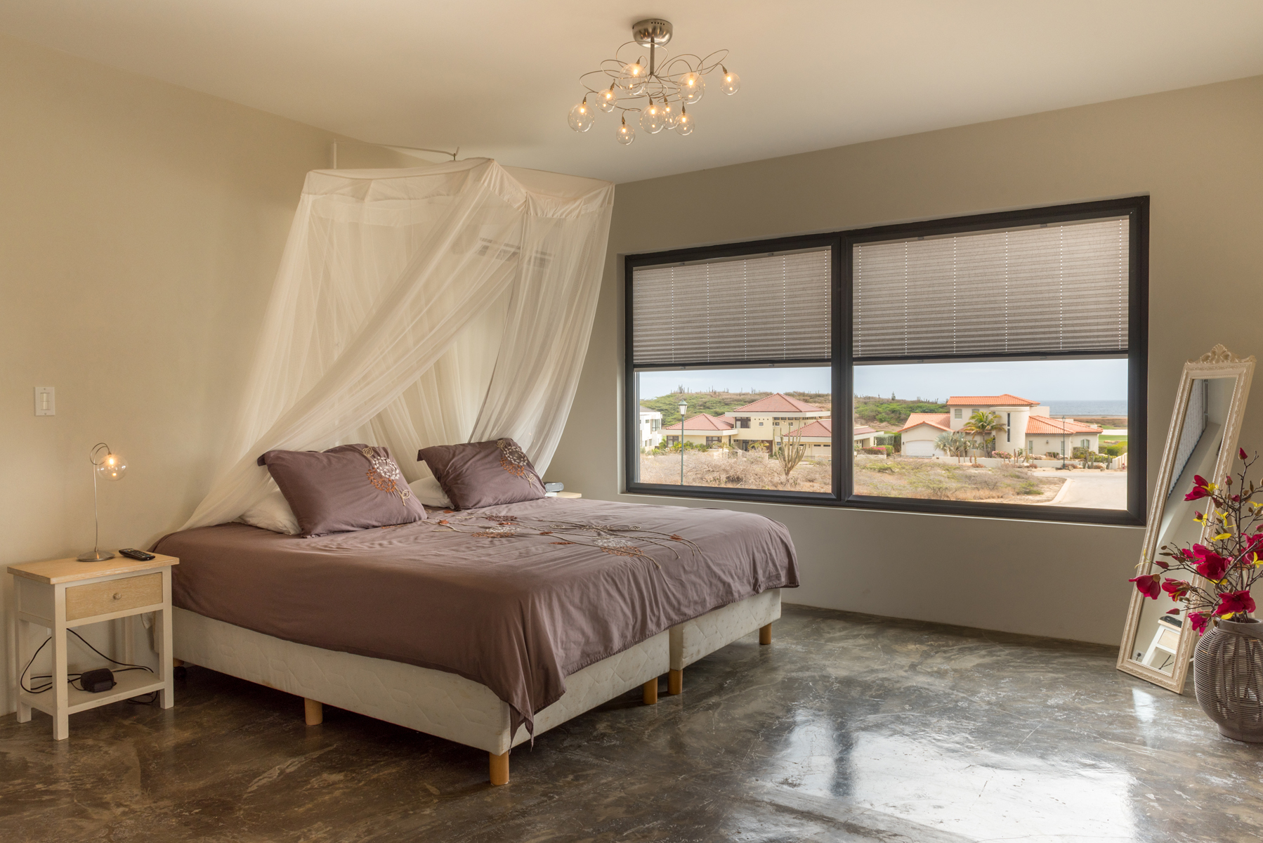 Additional photo for property listing at One level villa Malmok, Aruba Aruba