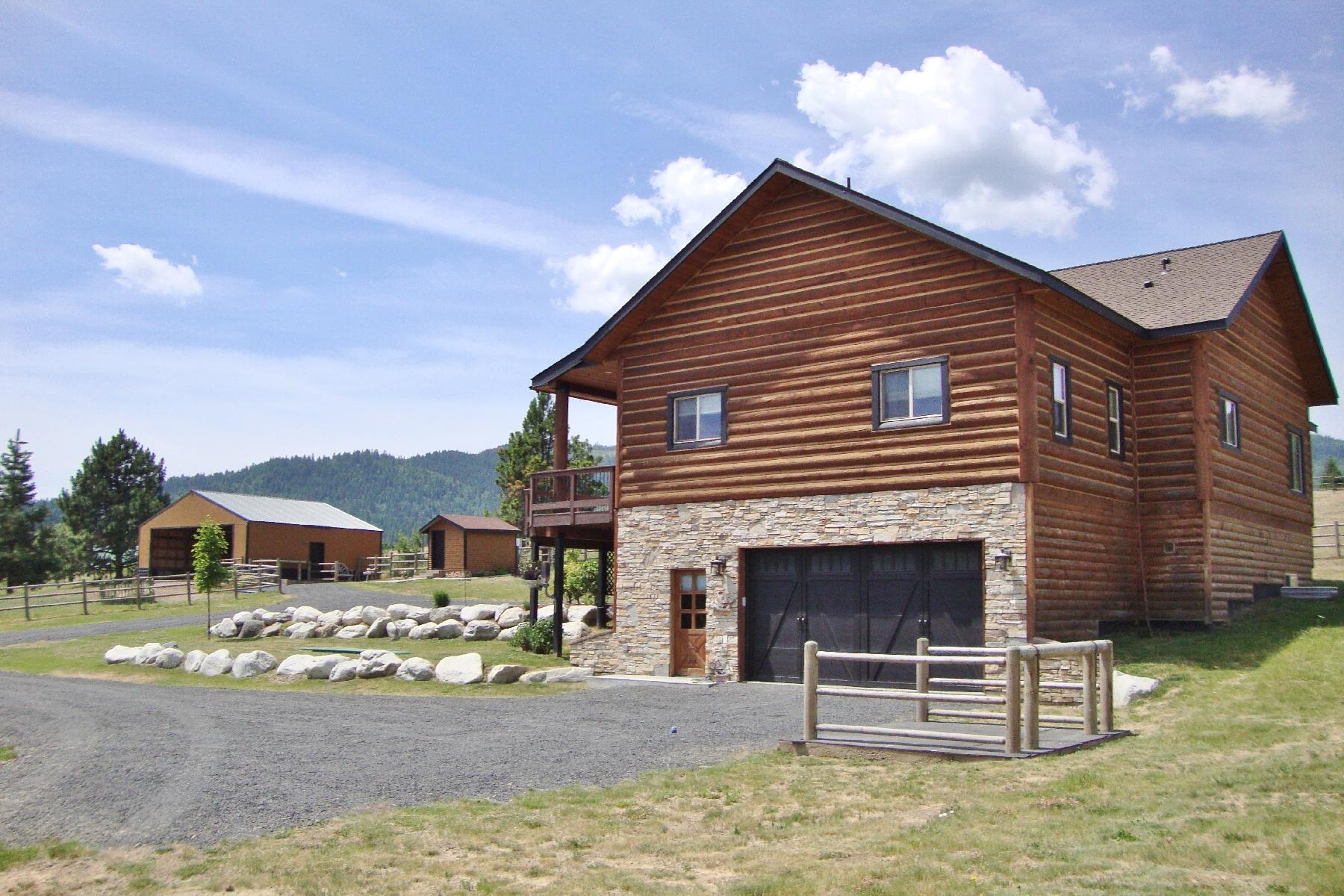 Casa Unifamiliar por un Venta en Peaceful, Equestrian Estate 10415 W Lynx Trail Coeur D Alene, Idaho 83814 Estados Unidos