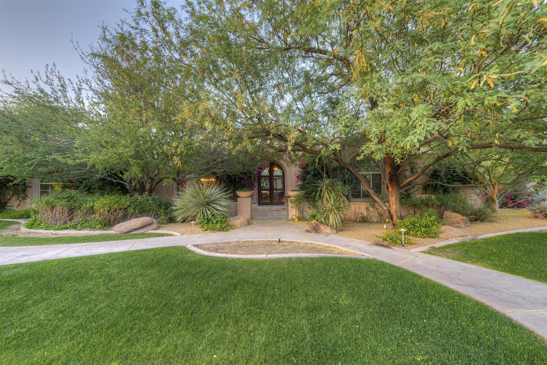 Single Family Home for Sale at Exceptional Home in Cheney Estates. 7130 E BELMONT AVE Paradise Valley, Arizona 85253 United States