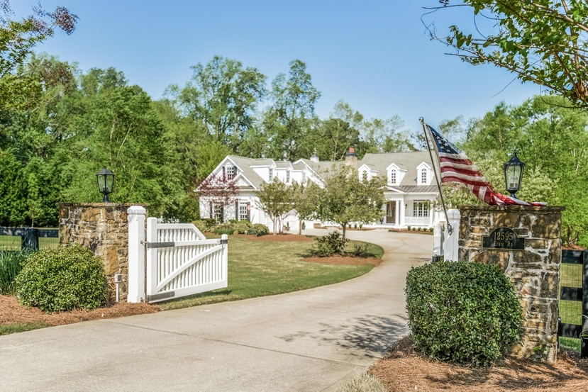 Single Family Home for Sale at Peaceful Elegance 12595 Etris Road Roswell, Georgia, 30075 United States