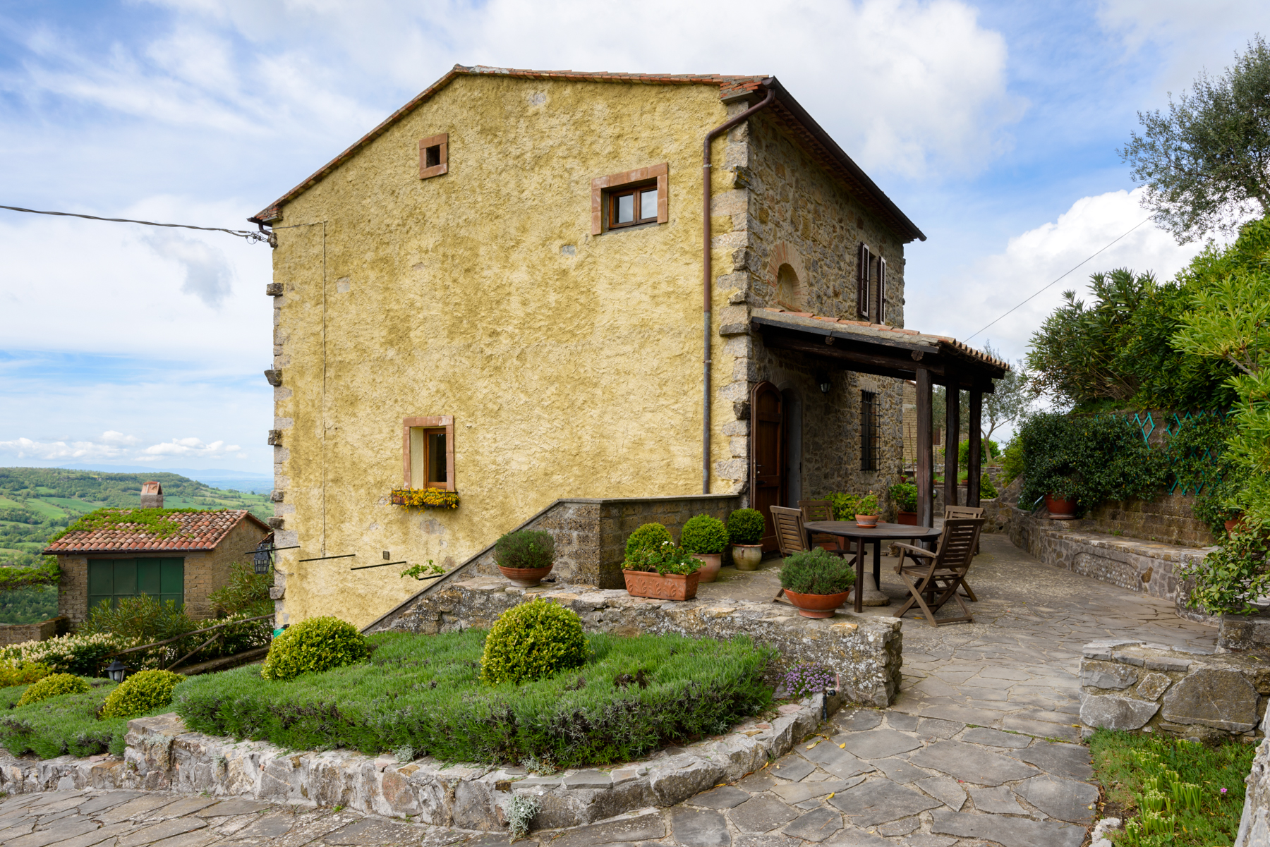 Additional photo for property listing at Country home with views of the Mount Argentario and Giglio Island Semproniano Semproniano, Grosseto 58055 Italie