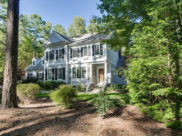 独户住宅 为 销售 在 1451 Preston Spring Lane 沙佩尔山, 北卡罗来纳州, 27516 美国在/周边: Raleigh, Durham, Cary