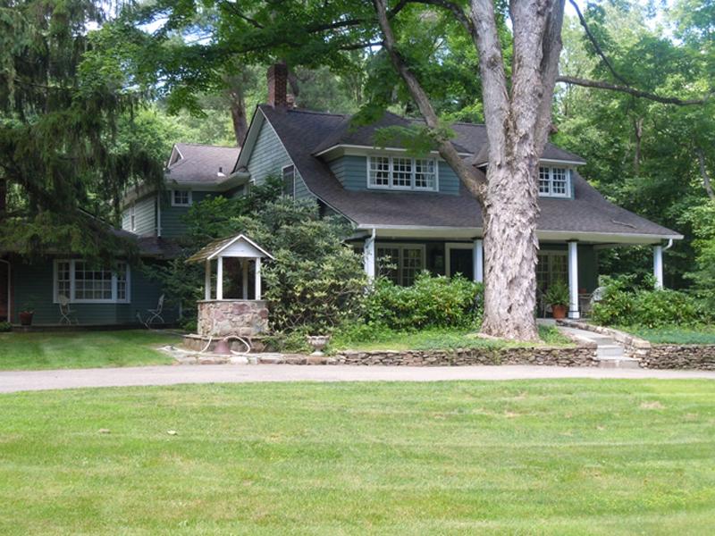 토지 용 매매 에 Private Lush And Tranquil 1 Pine Tree Drive Saddle River, 뉴저지, 07458 미국