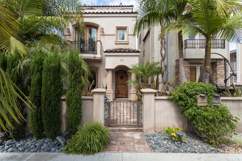 Частный односемейный дом для того Продажа на 317 7th Street Huntington Beach, Калифорния, 92648 Соединенные Штаты