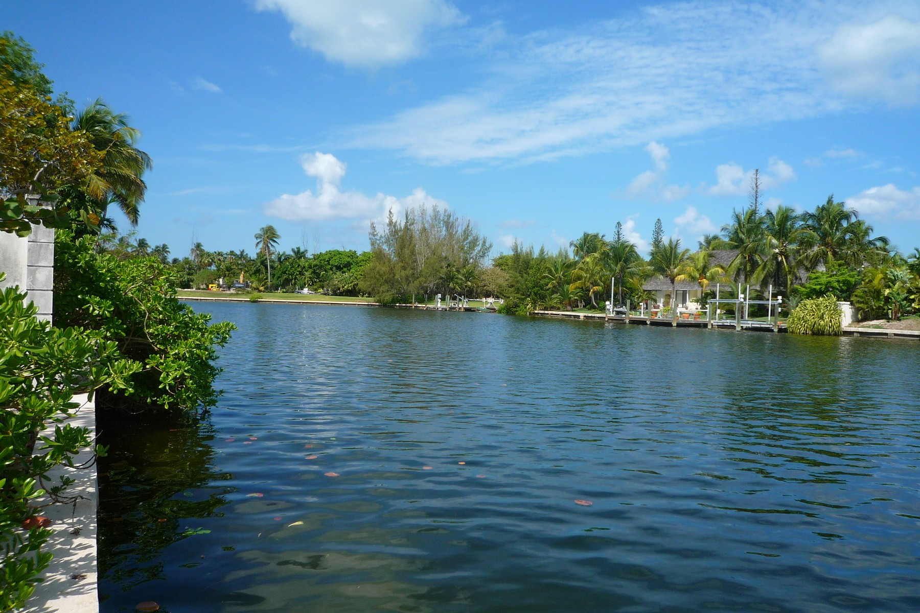 Land for Sale at Rainbow Road Canalfront Lot Lyford Cay, Nassau And Paradise Island Bahamas