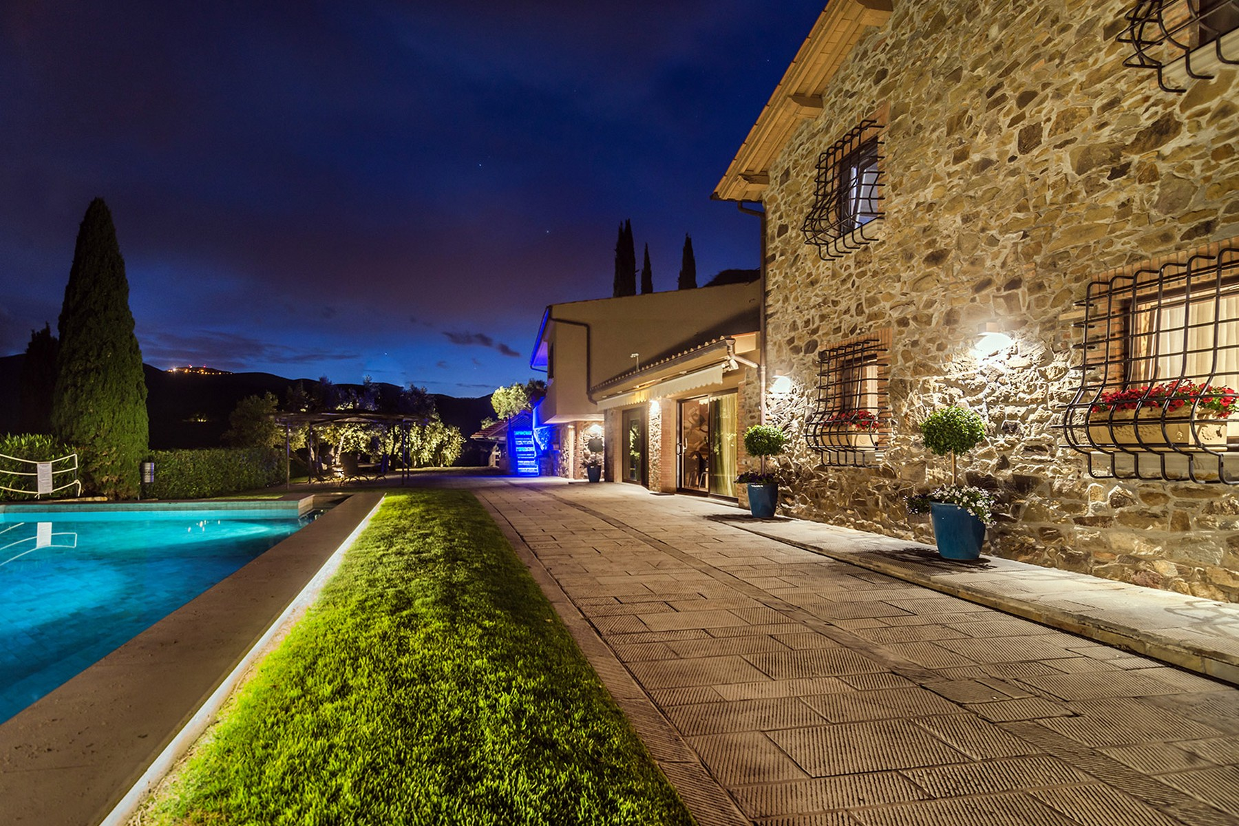 sales property at Inspiring Tuscan Estate with vineyards