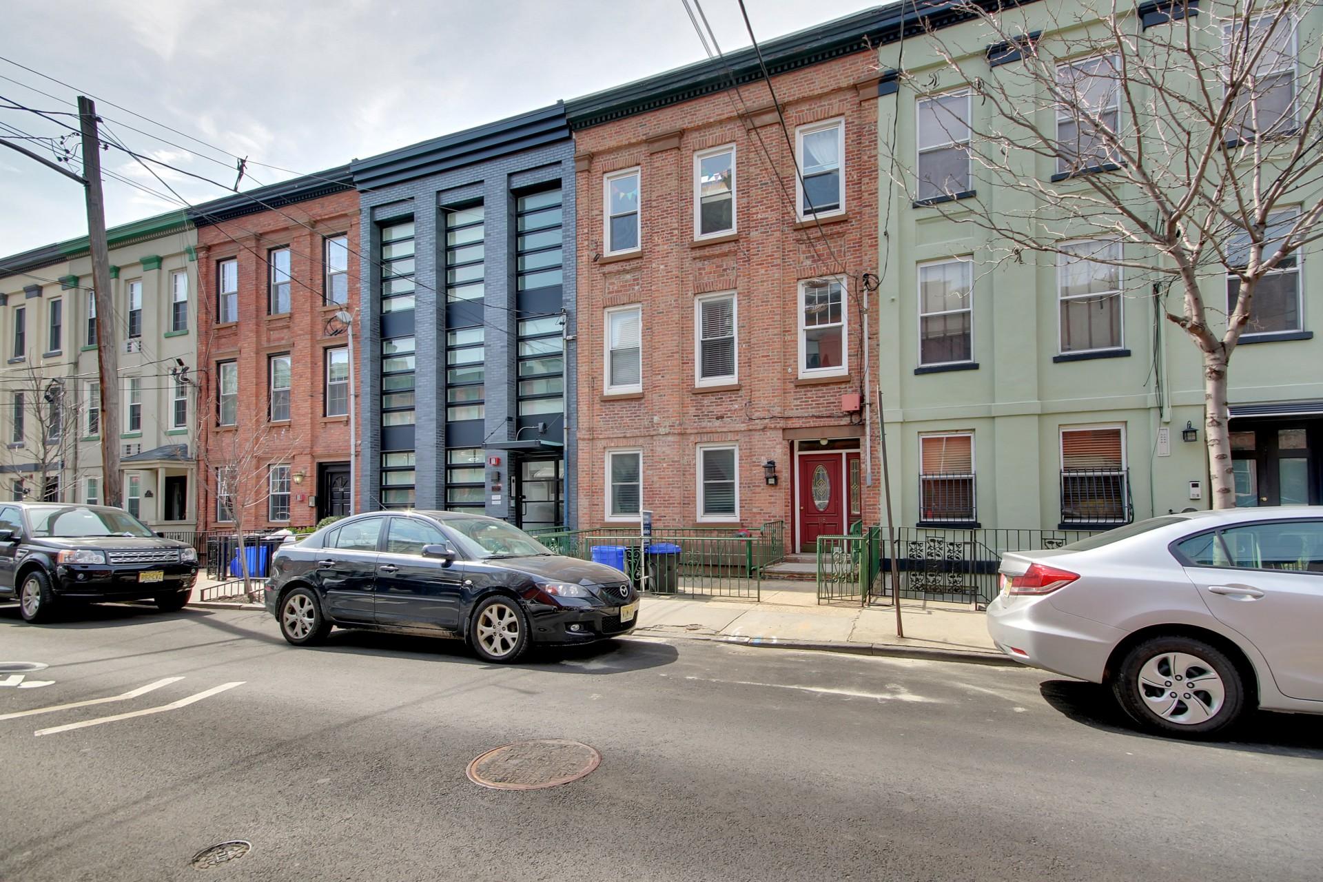 共管物業 為 出售 在 Brownston Living With Condo Ease 118 Bloomfield Street #1 Hoboken, 新澤西州, 07030 美國